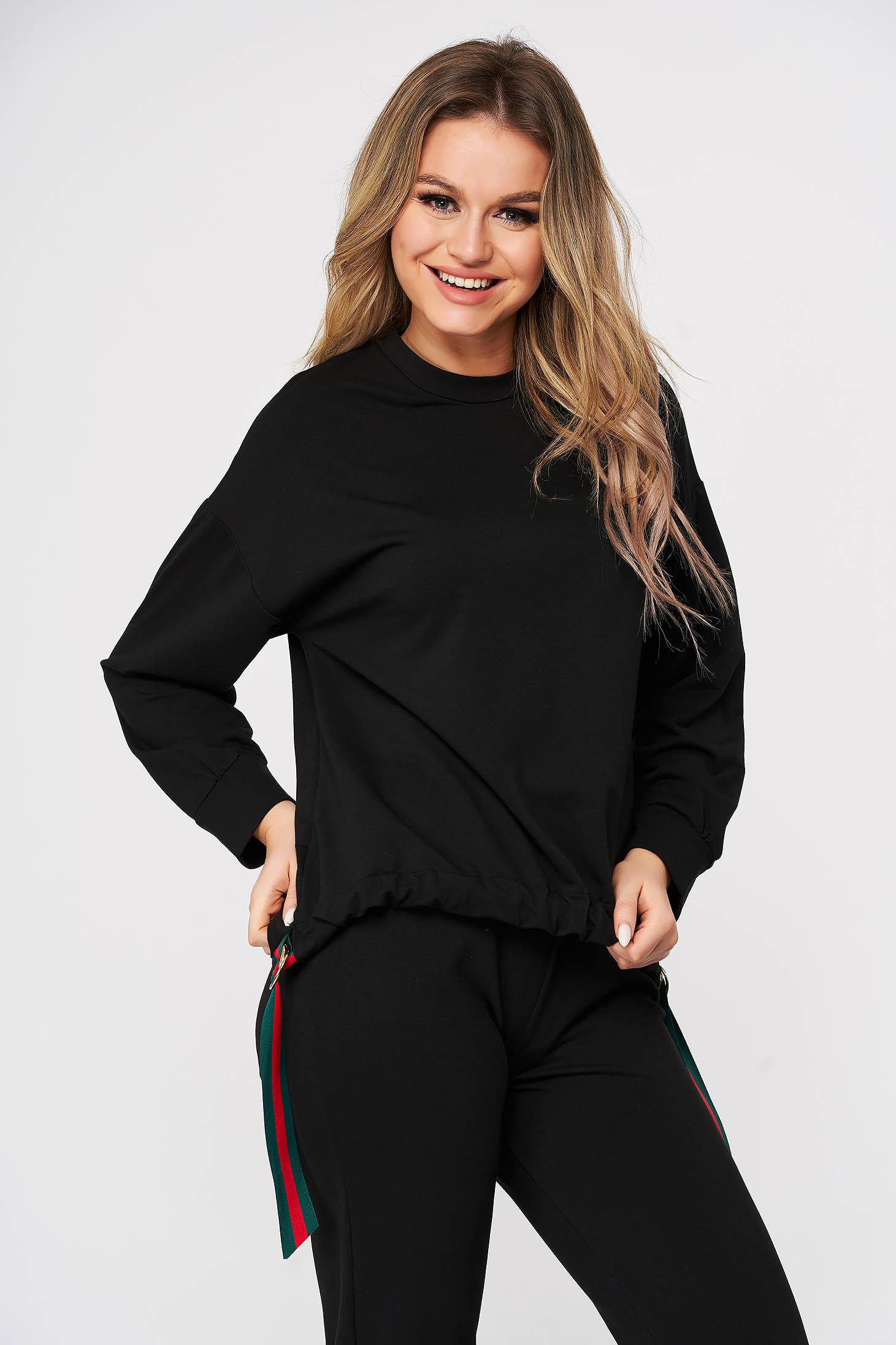 Bluza dama StarShinerS neagra sport din material moale cu croi larg si inele metalice decorative
