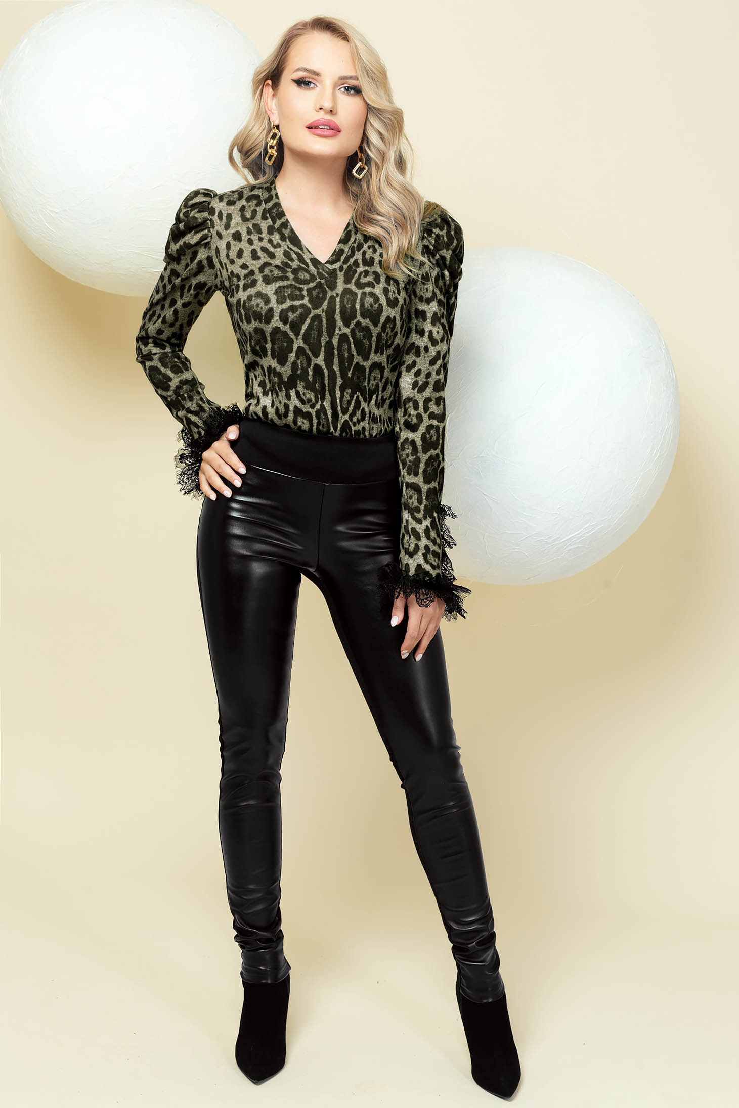Elegant trousers black faux leather with tented cut back pockets