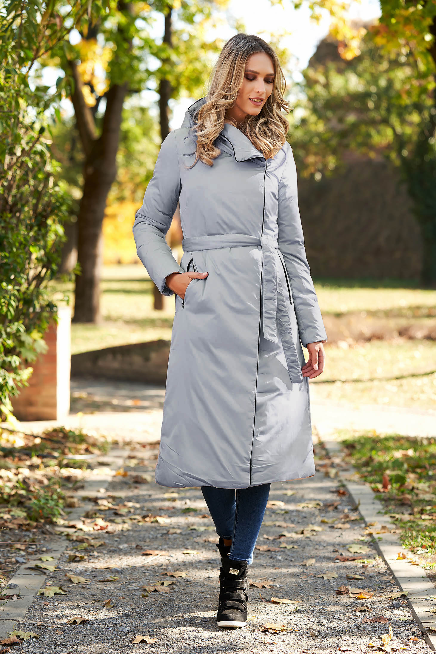 Long grey casual jacket with undetachable hood from slicker