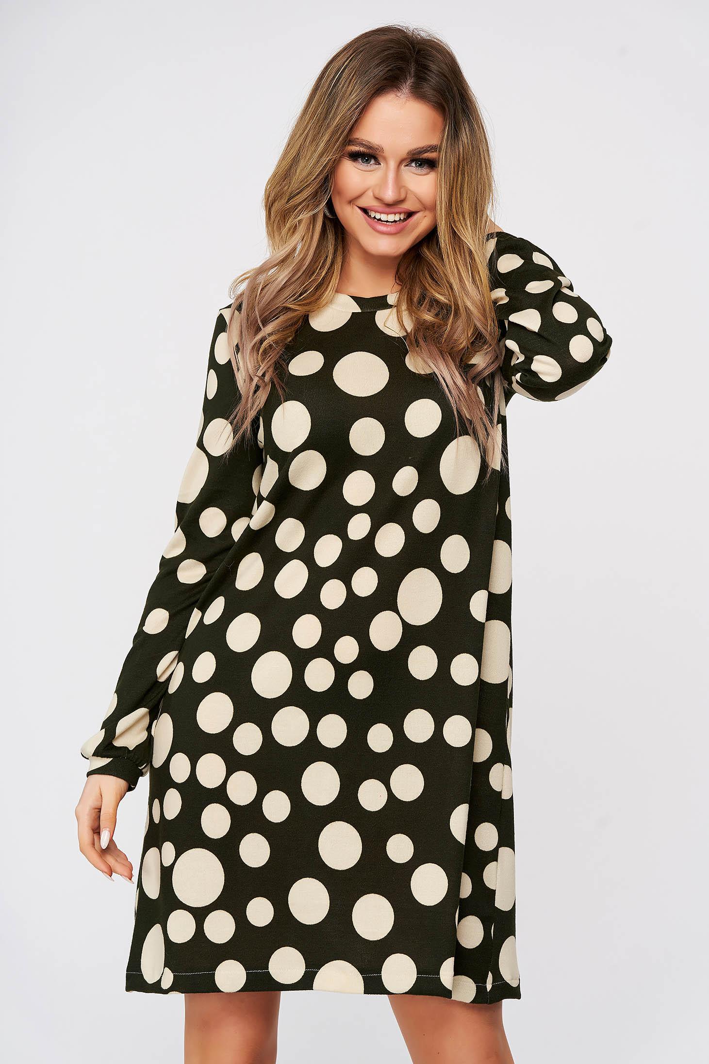 Rochie StarShinerS cu buline scurta de zi din material tricotat subtire cu croi larg