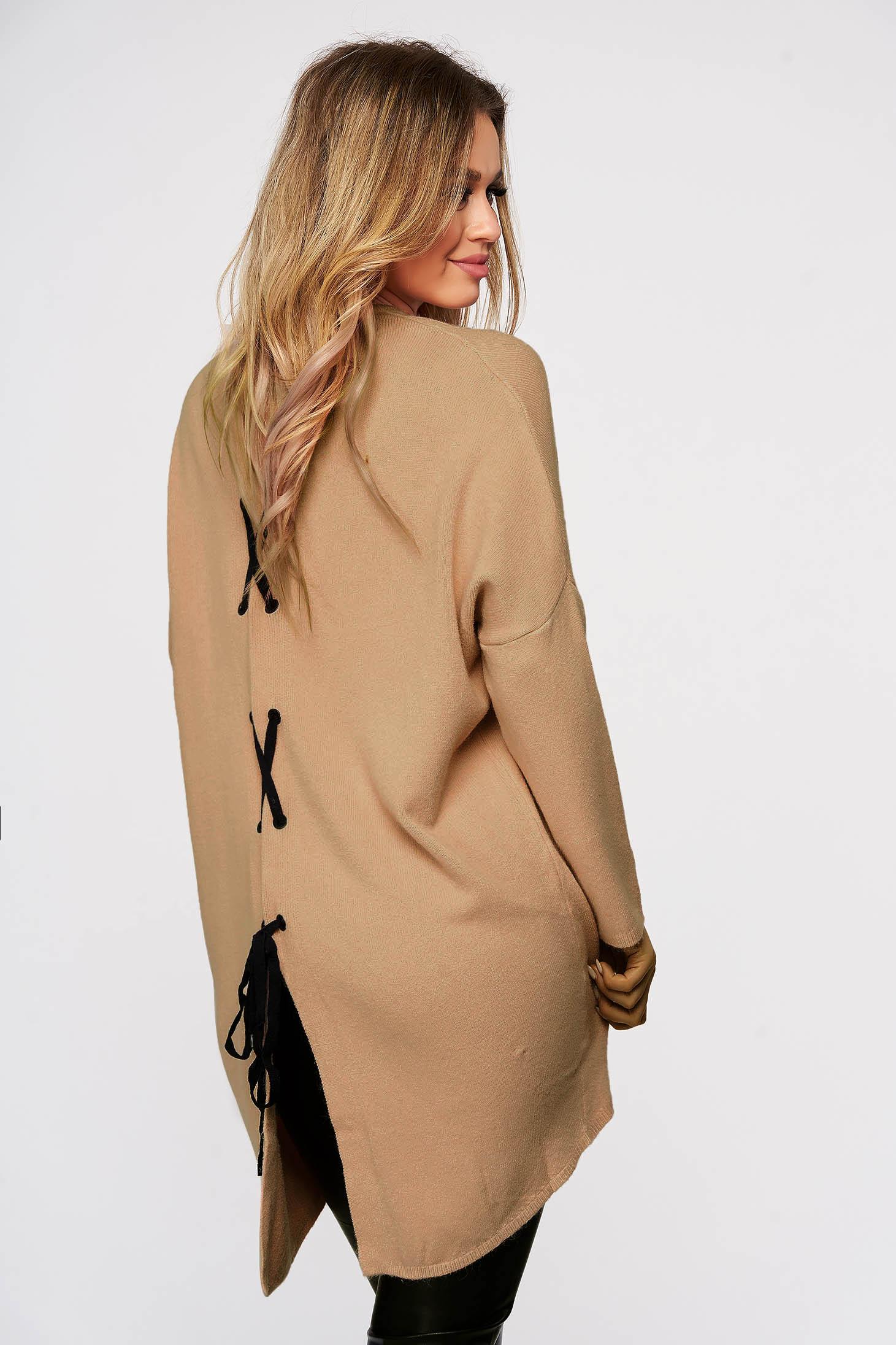 Bluza dama SunShine crem tricotata din material elastic si fin cu croi larg cu snur si slit la spate