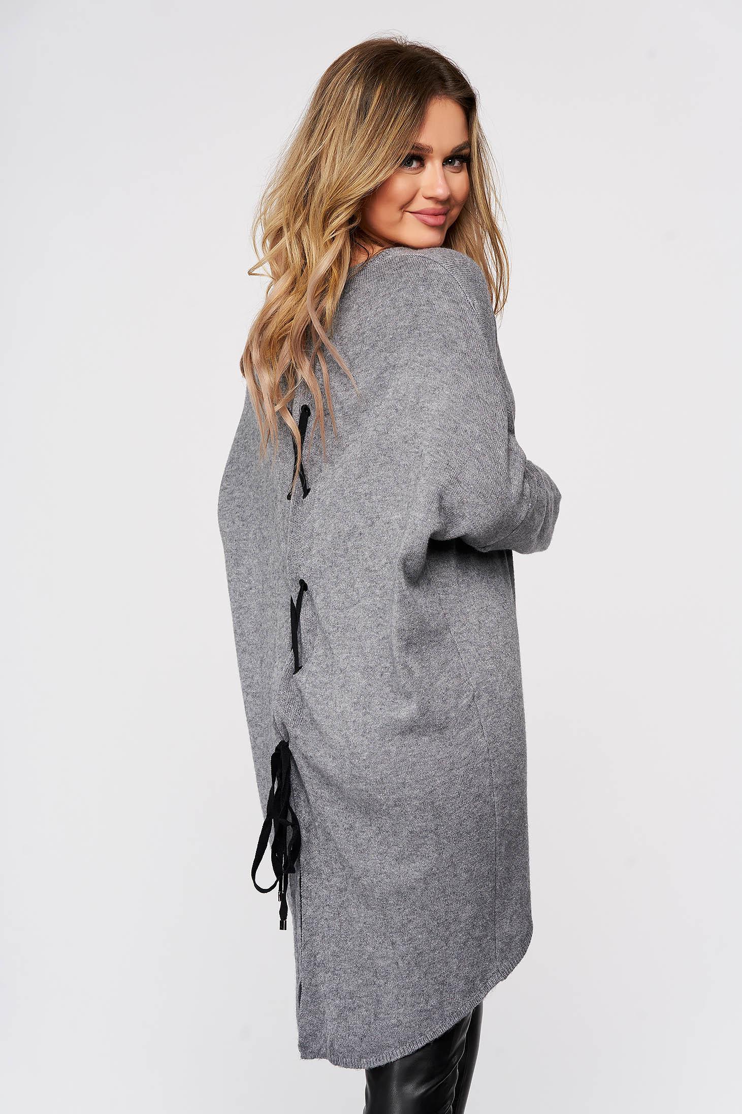 Bluza dama SunShine gri tricotata din material elastic si fin cu croi larg cu snur si slit la spate
