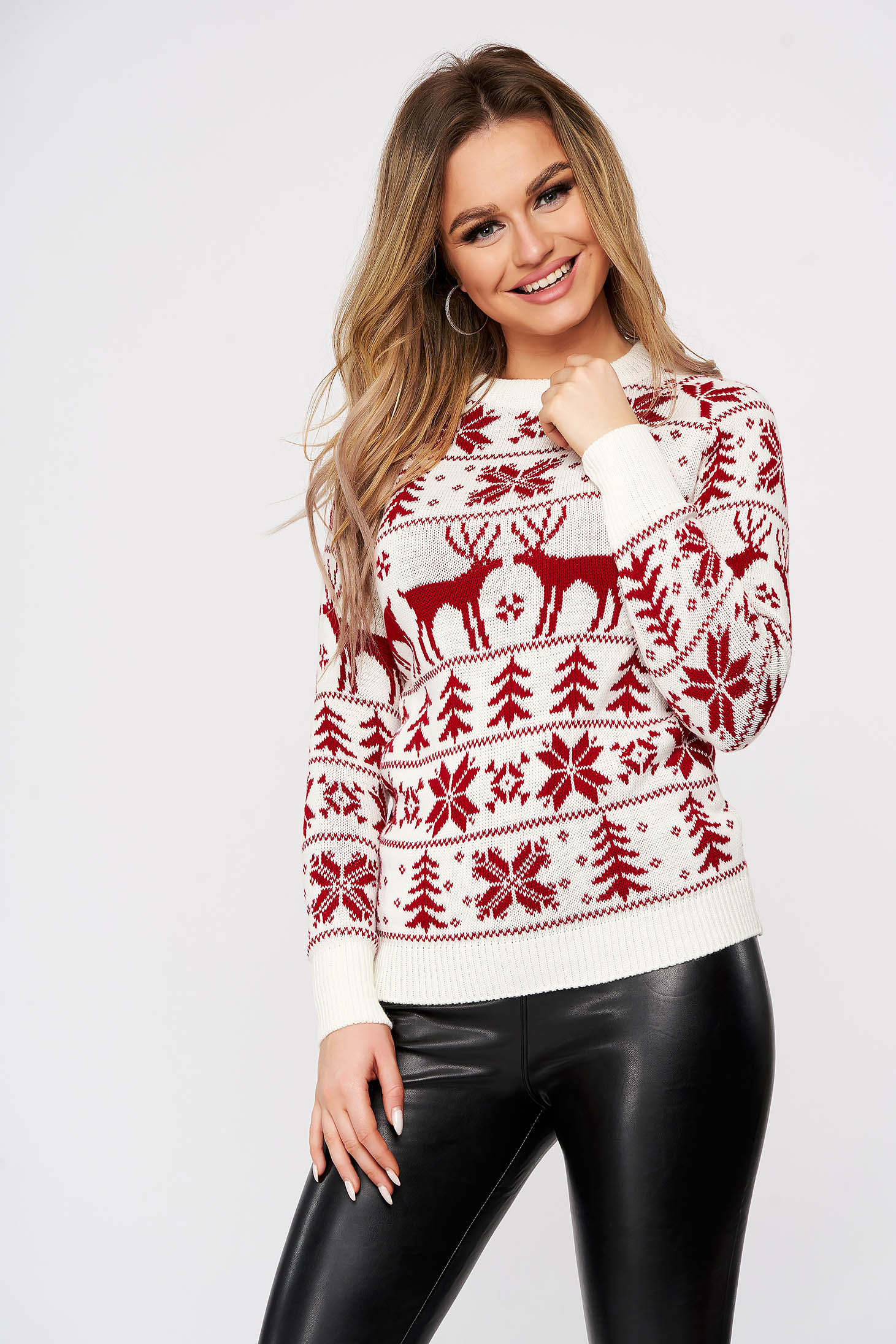Casual white sweater with print details knitted fabric neckline