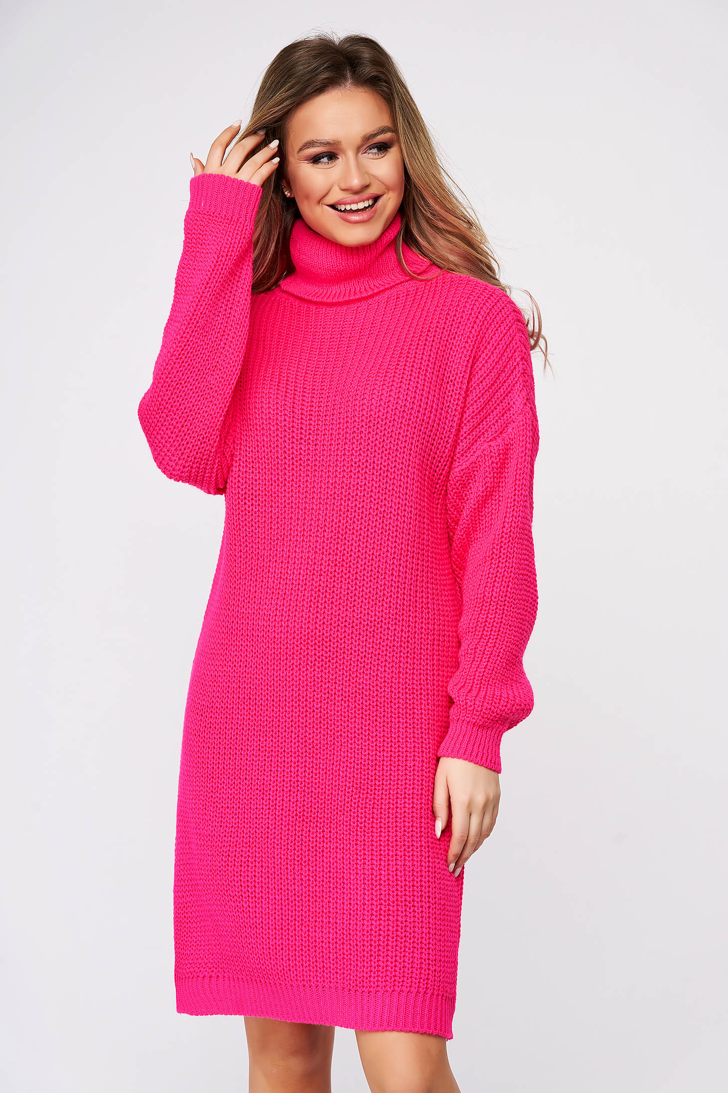 Rochie SunShine casual roz din material tricotat pe gat cu croi larg