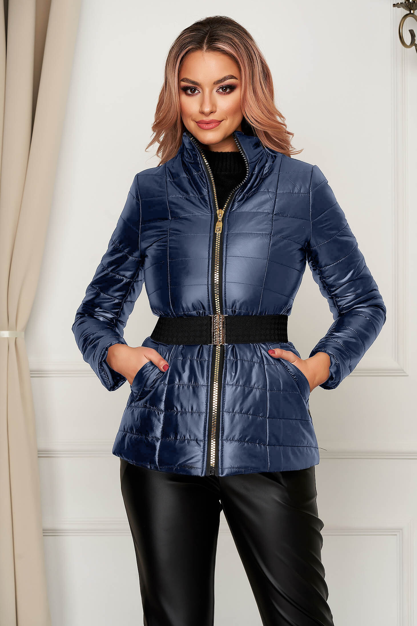 Sötétkék vízlepergető magas nyakú zsebes casual dzseki