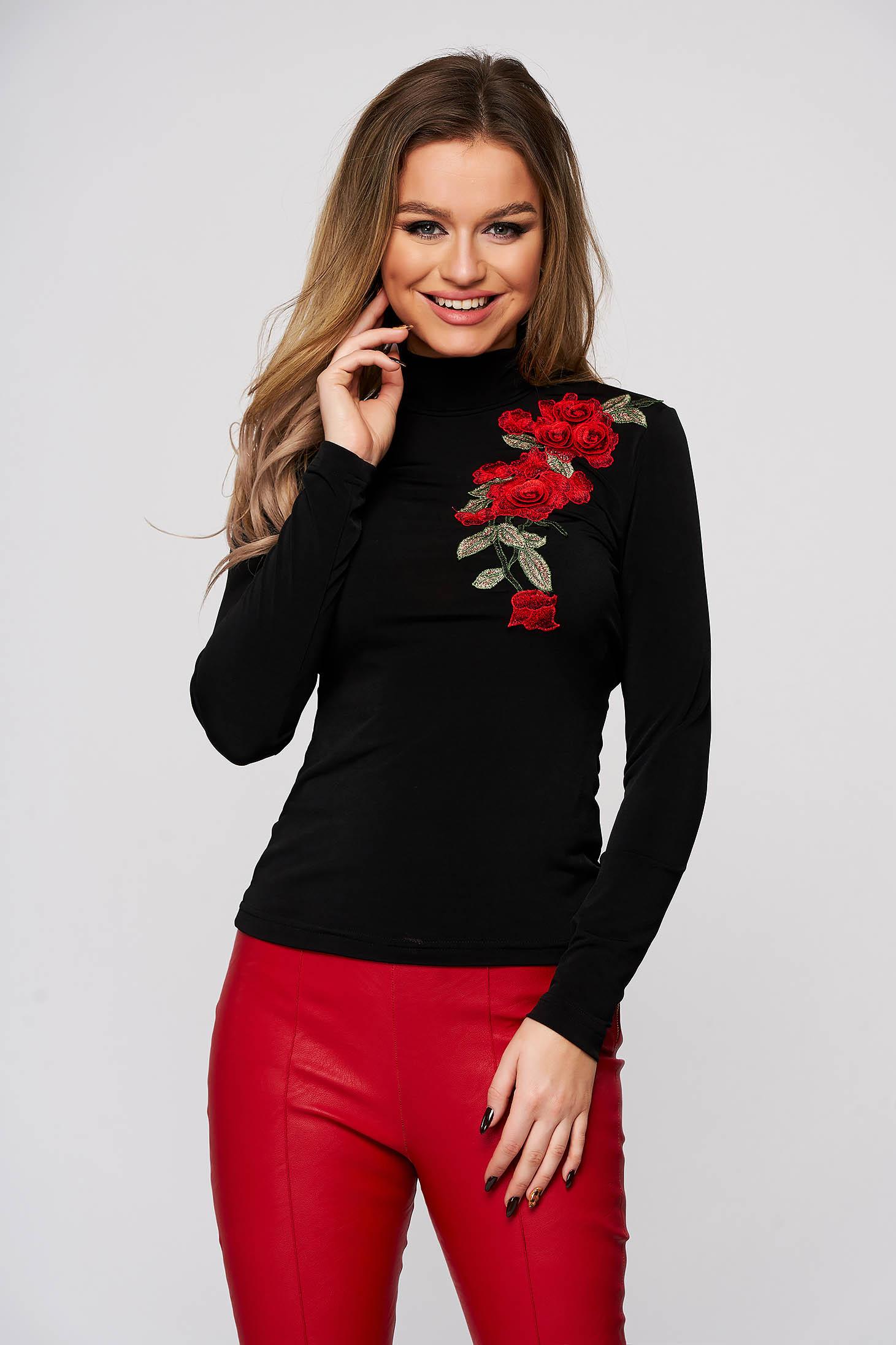 Bluza dama StarShinerS neagra din material elastic si fin cu broderie florala manuala mulata pe gat