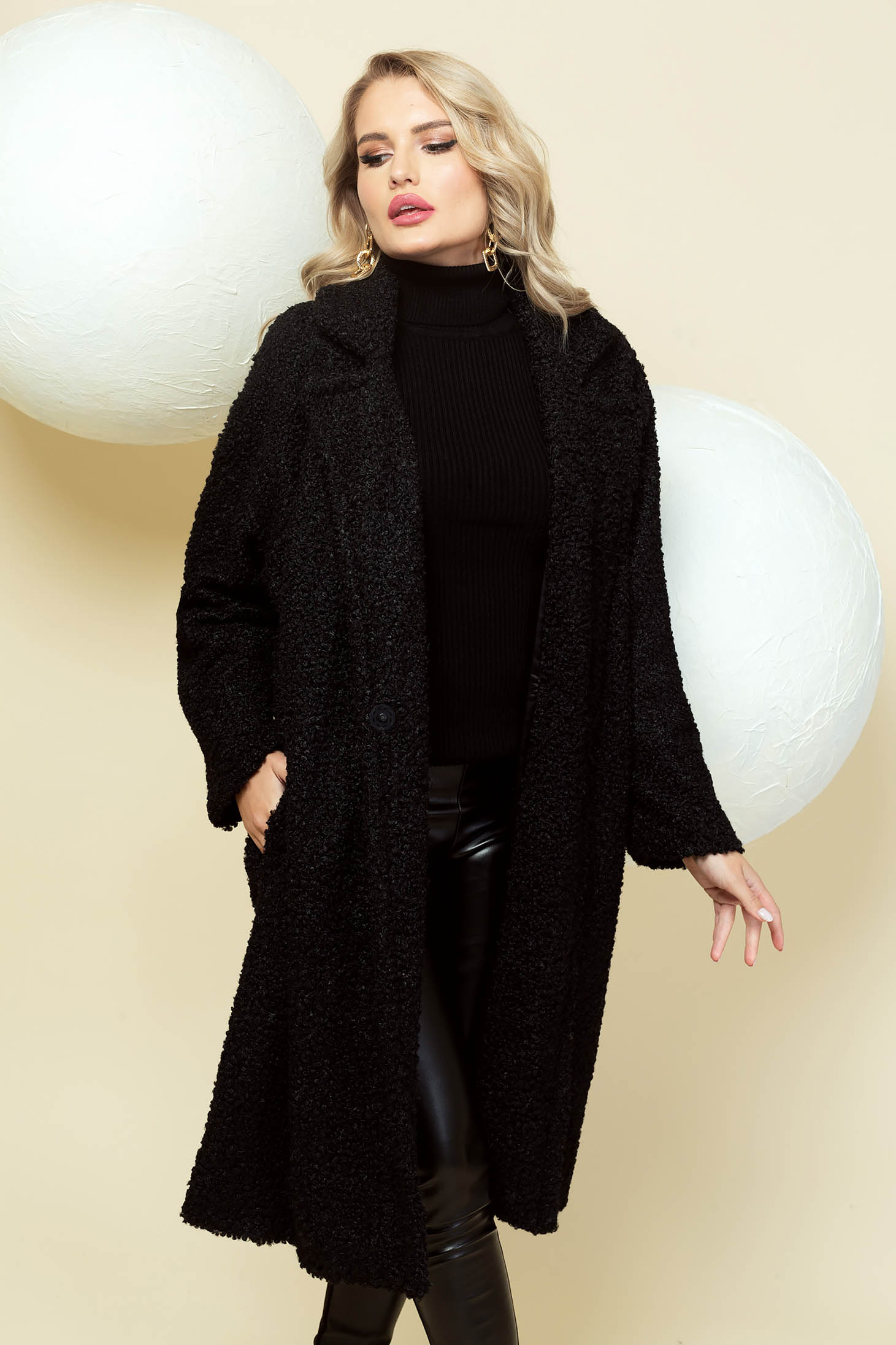 Black coat long flared from fluffy fabric