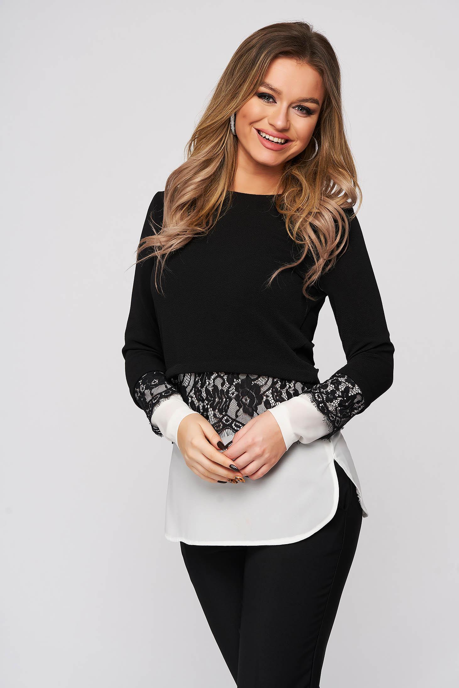 Bluza dama StarShinerS neagra din stofa cu aplicatii de dantela slit lateral cu croi larg
