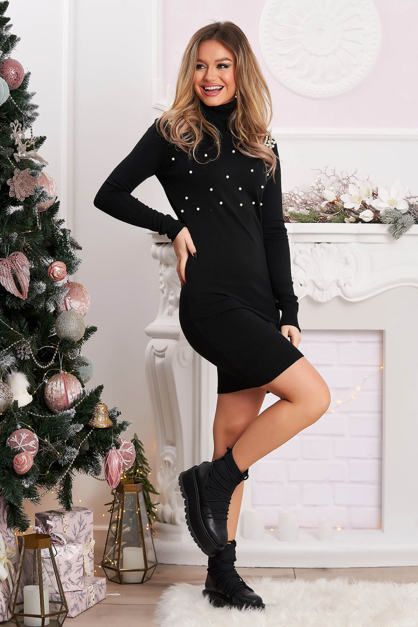 Black dress with pearls with tented cut short cut knitted