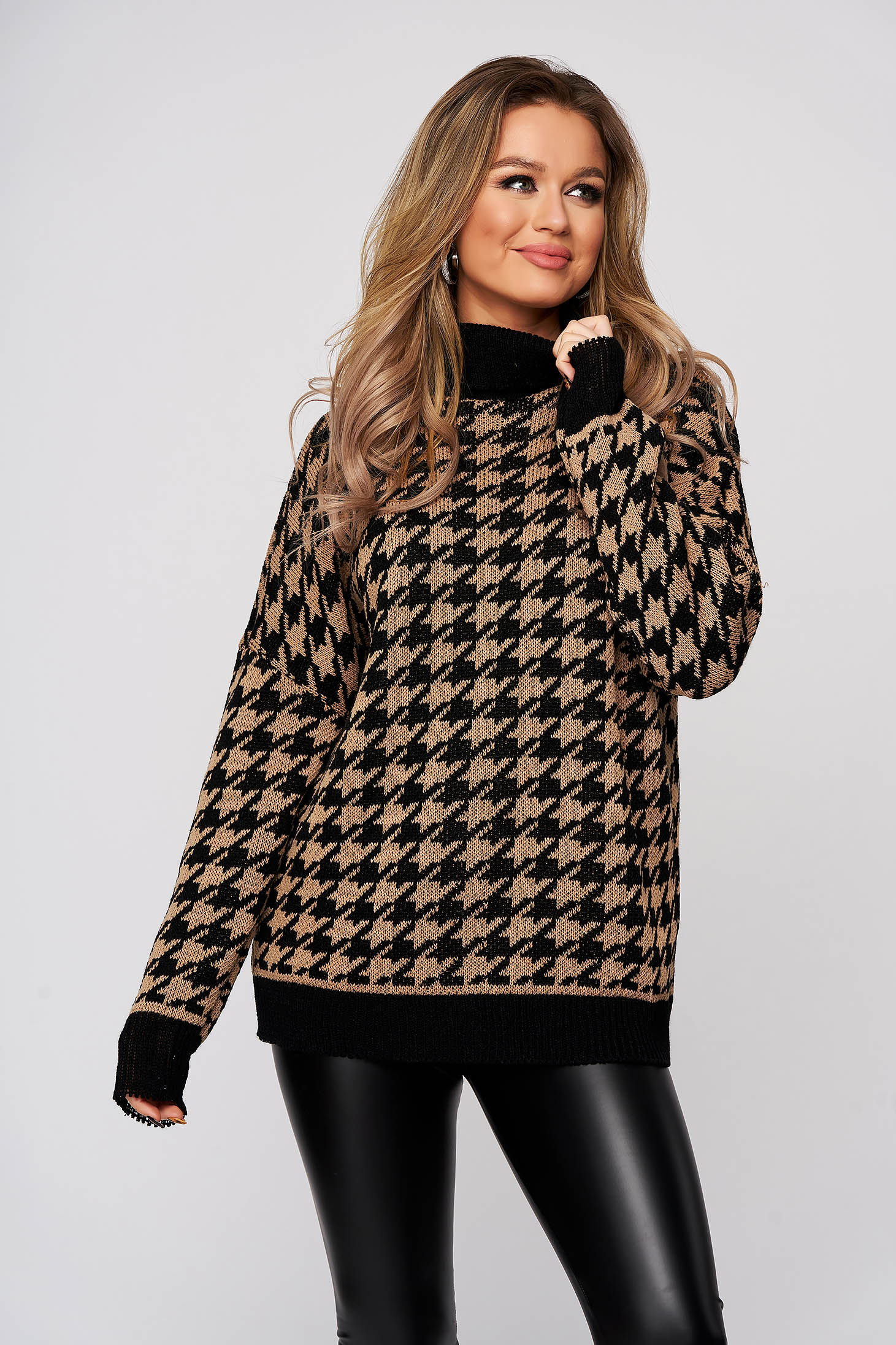 Sweater brown dogtooth knitted from elastic fabric flared with turtle neck