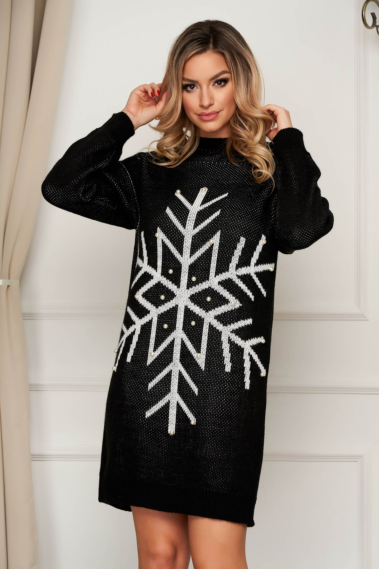 Rochie SunShine neagra din tricot elastic cu aplicatii cu perle cu croi larg