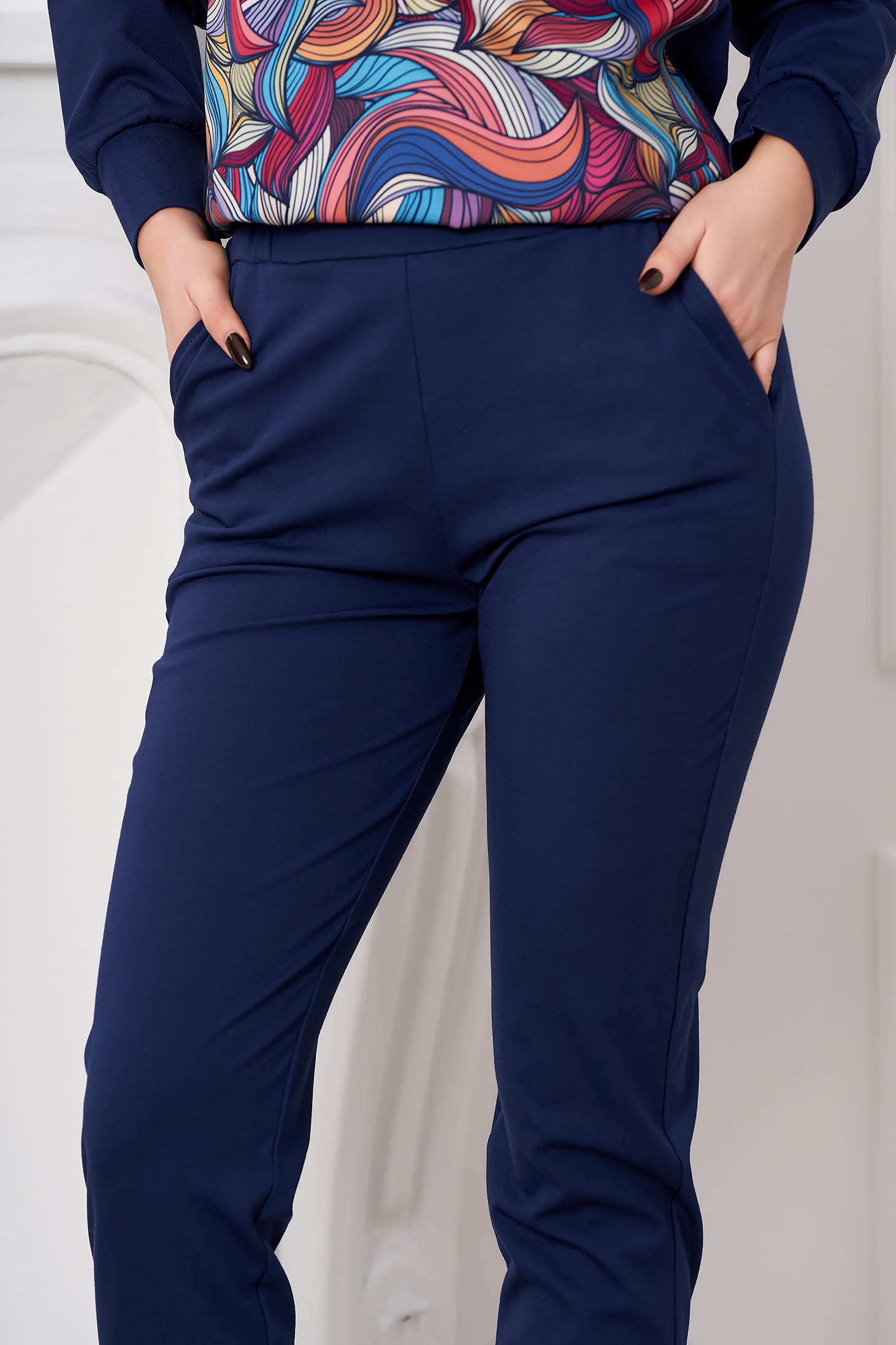 Pantaloni StarShinerS albastru-inchis conici casual din material usor elastic