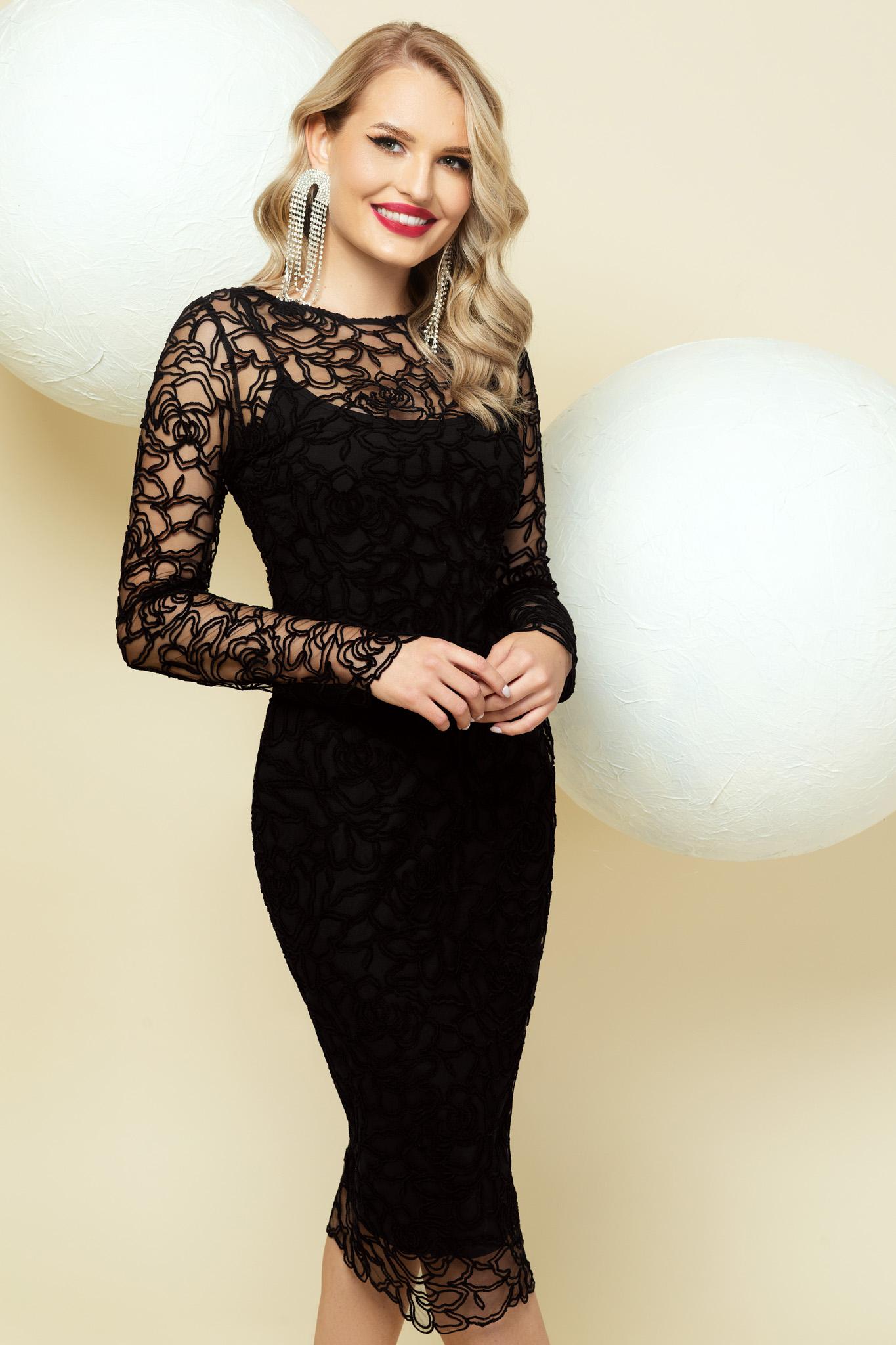Fekete alkalmi midi szűk szabású ruha csipkés átfedéssel