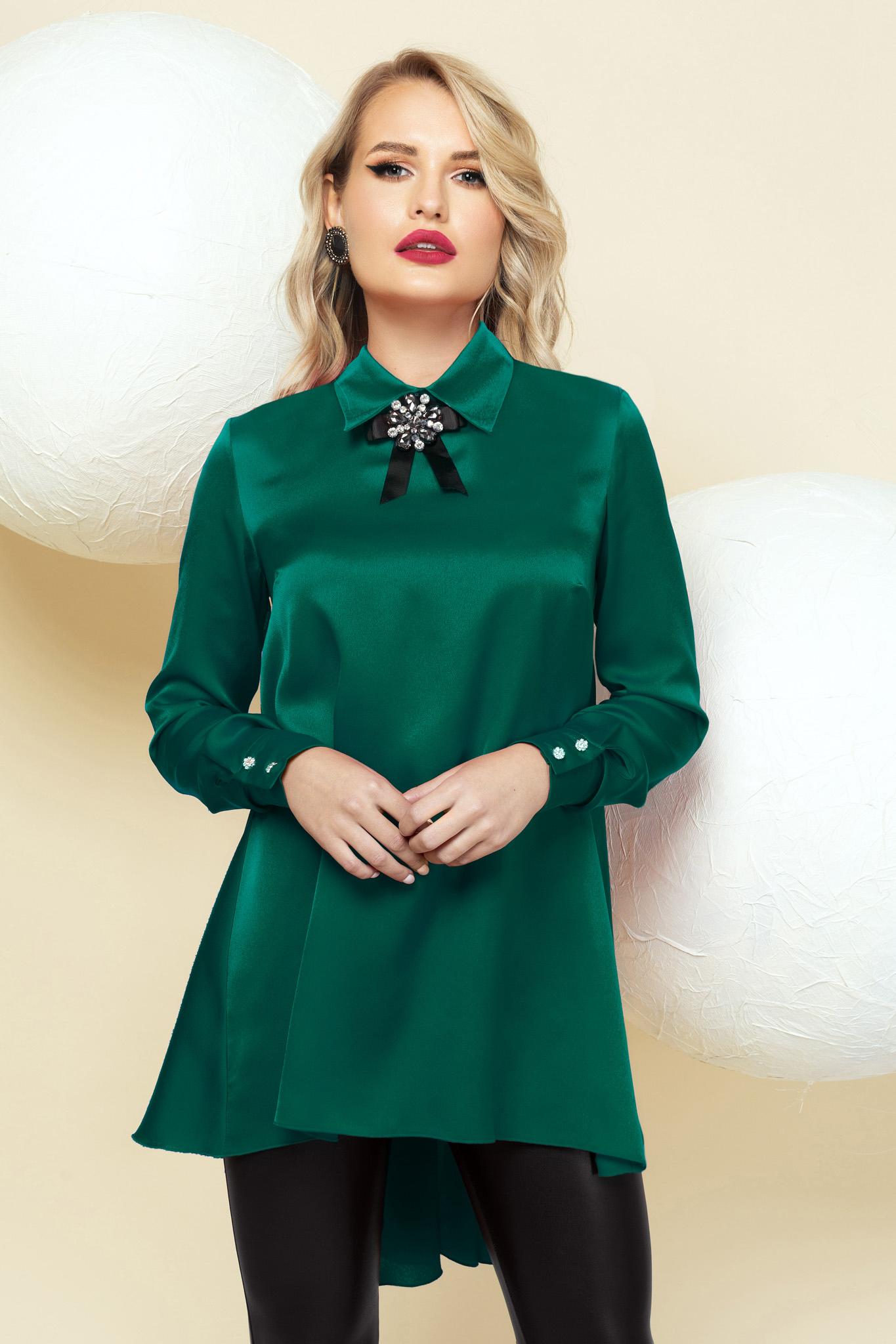 Bluza dama PrettyGirl verde din satin de ocazie asimetrica accesorizata cu brosa cu croi larg