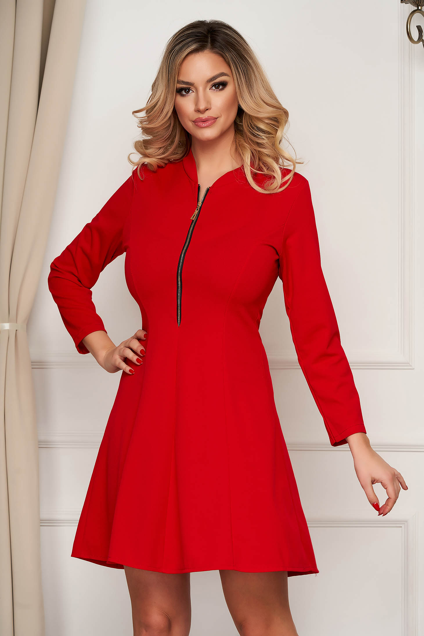Red dress short cut clubbing cloche from elastic fabric zipper fastening