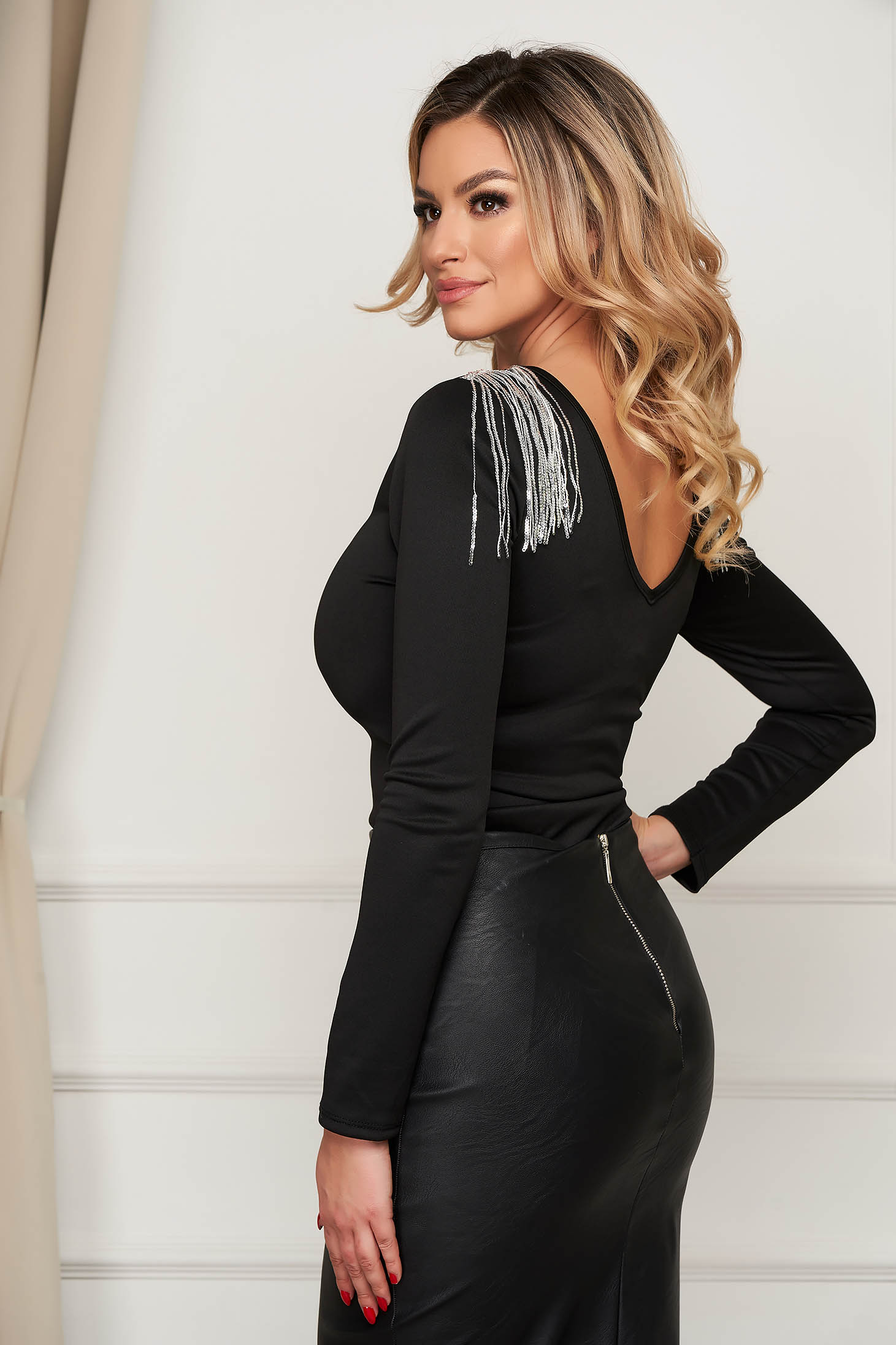 Body SunShine negru de party din material usor elastic cu franjuri la spate