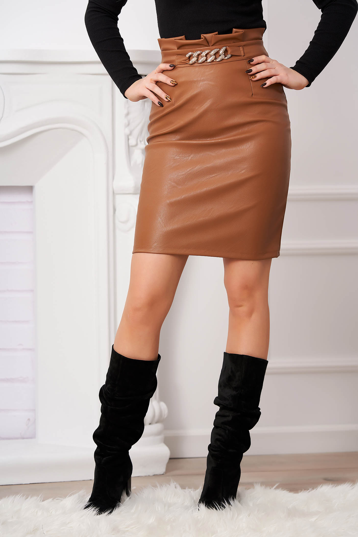 Brown skirt from ecological leather high waisted accessorized with belt metallic chain accessory with tented cut