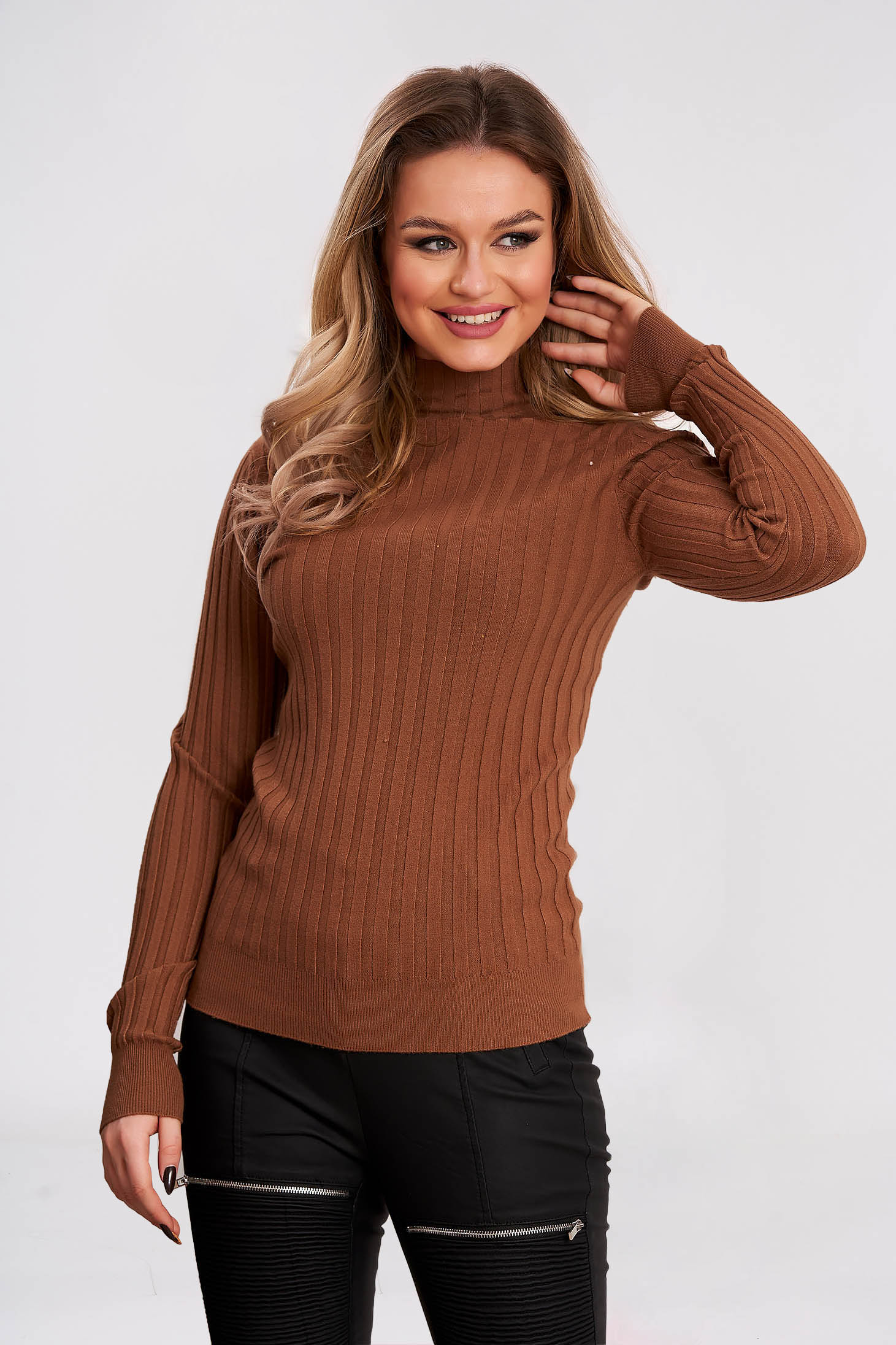 Turtleneck knitted sweater tented brown from striped fabric