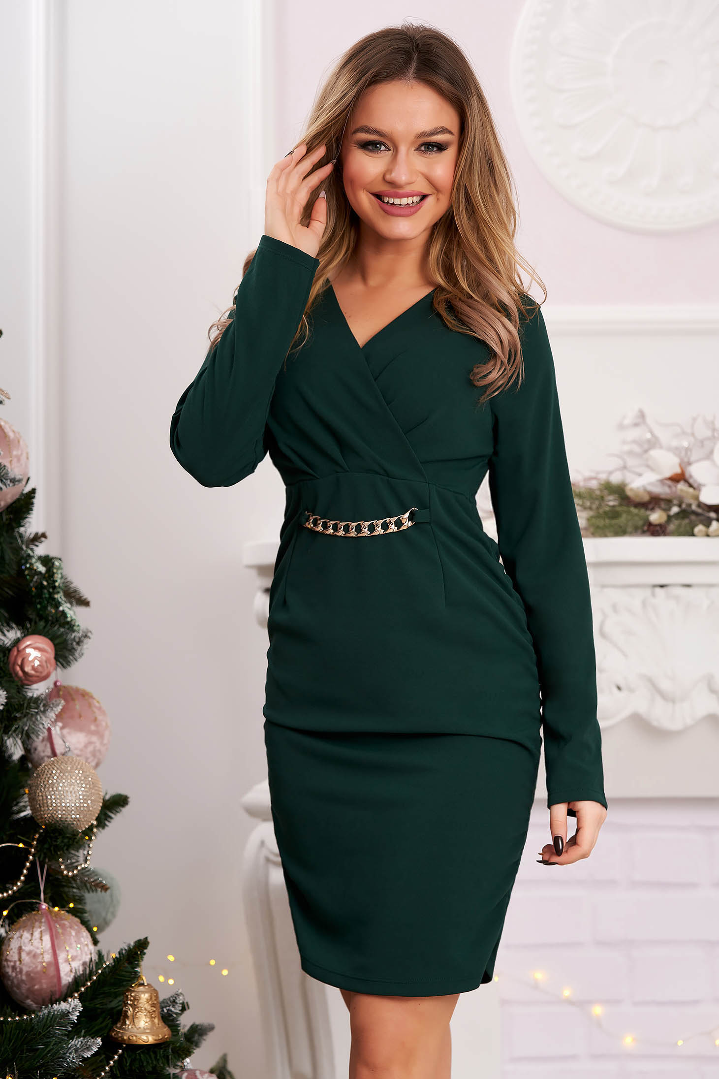 Short cut dress darkgreen clubbing pencil wrinkled material on both sides