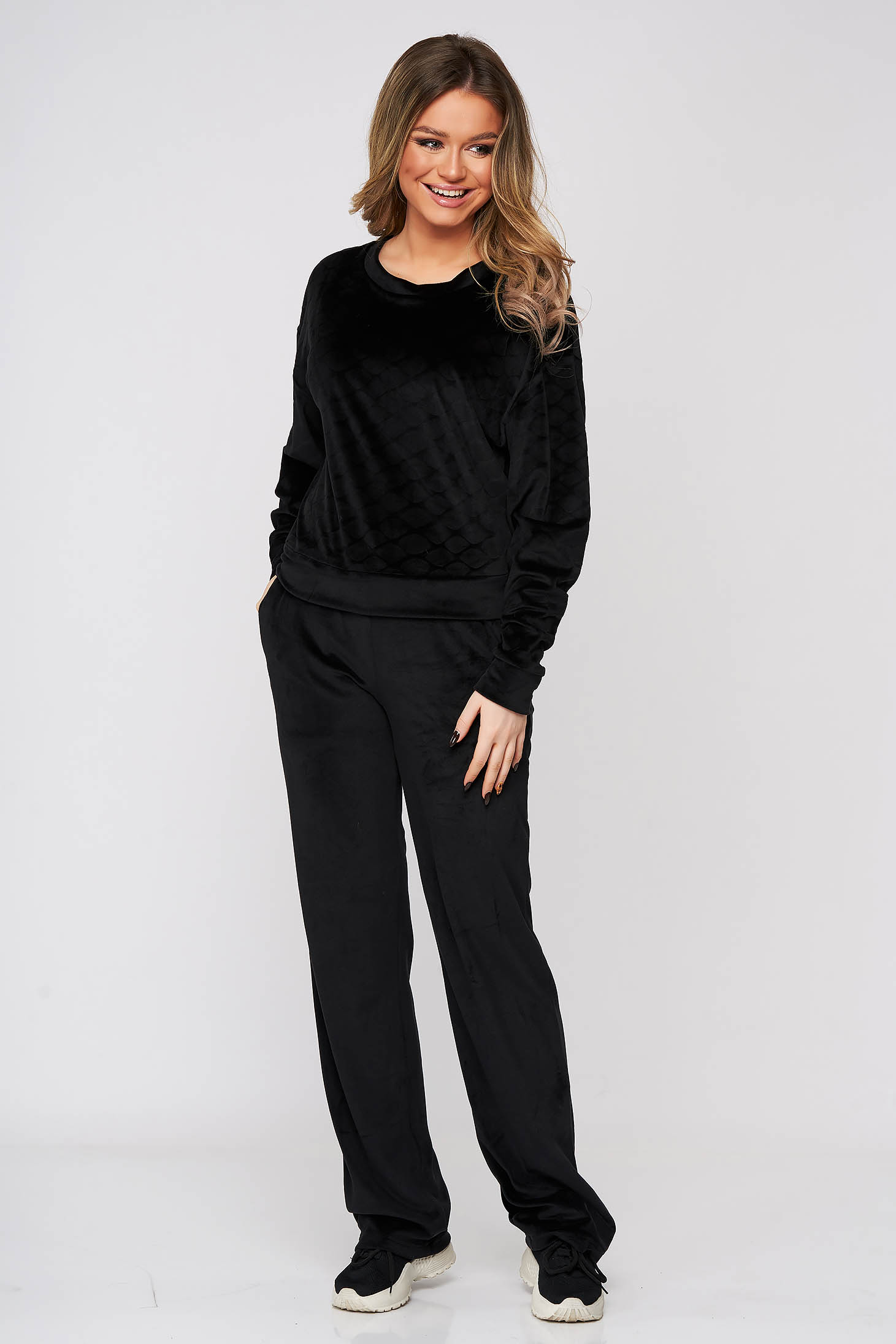 Black sport 2 pieces from two pieces with trousers velvet flared