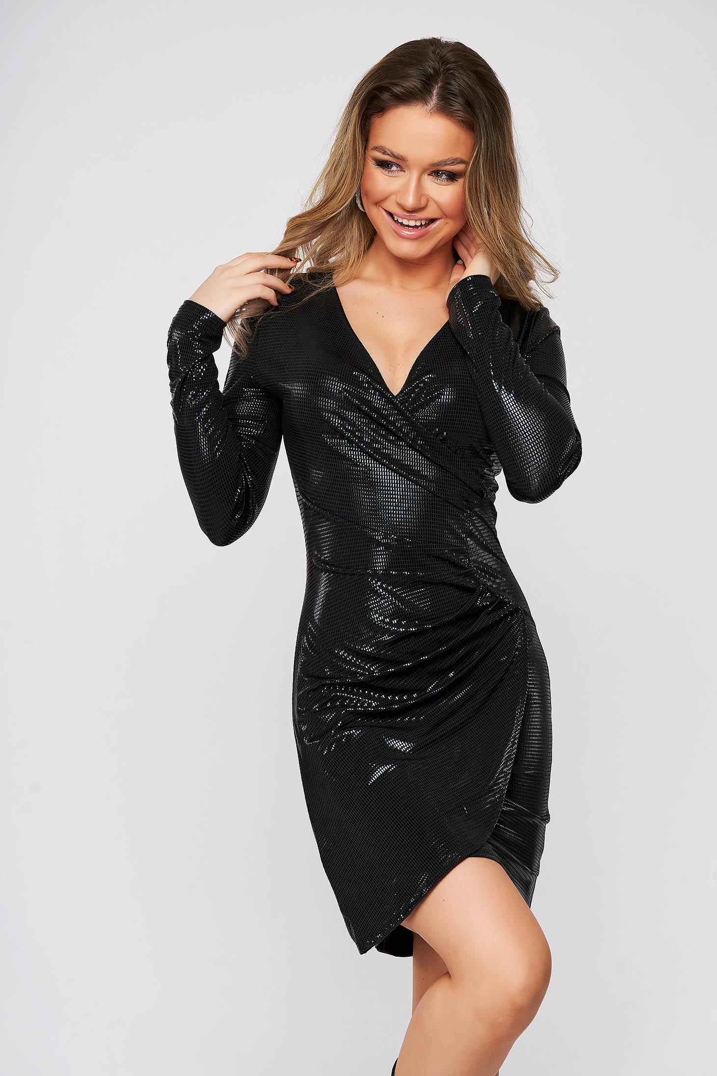 Rochie negru-metalizat de party din material elastic petrecuta tip creion scurta