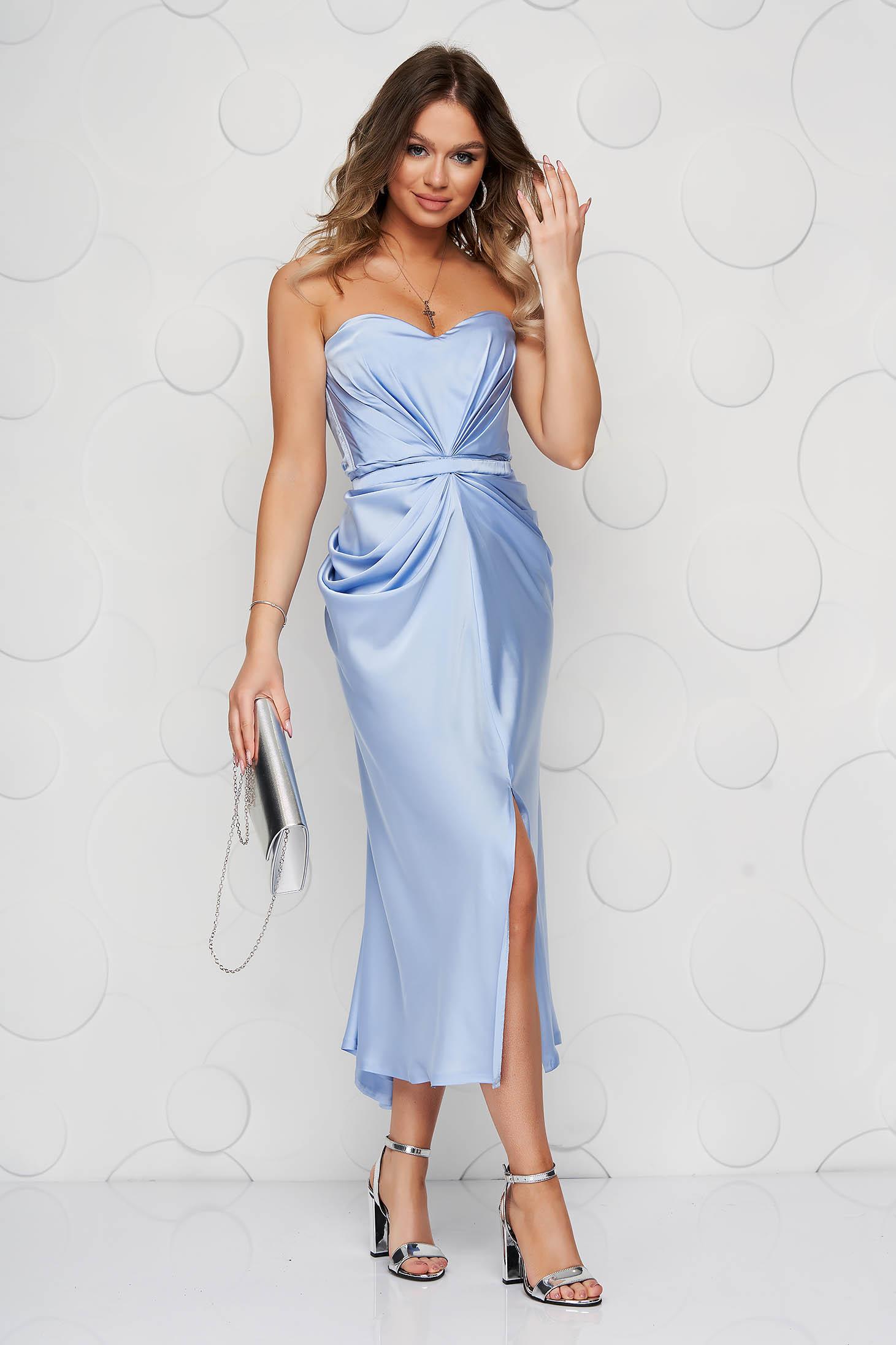 Rochie albastru-deschis de ocazie din satin in clos cu corset