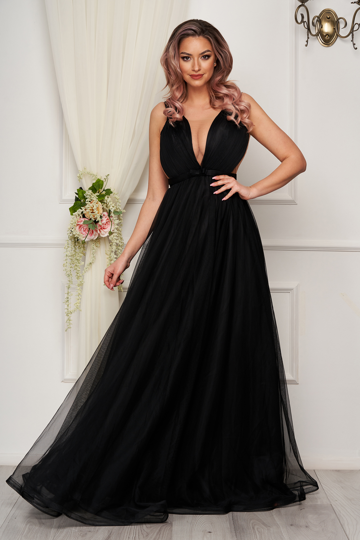 Black dress luxurious cloche from tulle corset tipe fastening