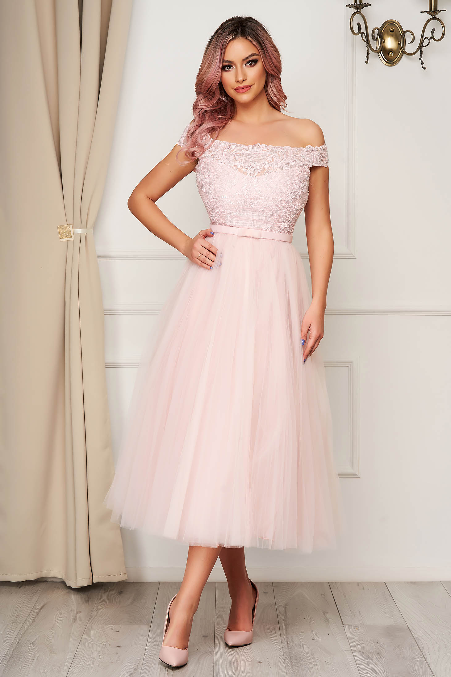 Lightpink dress occasional midi cloche from tulle from laced fabric naked shoulders