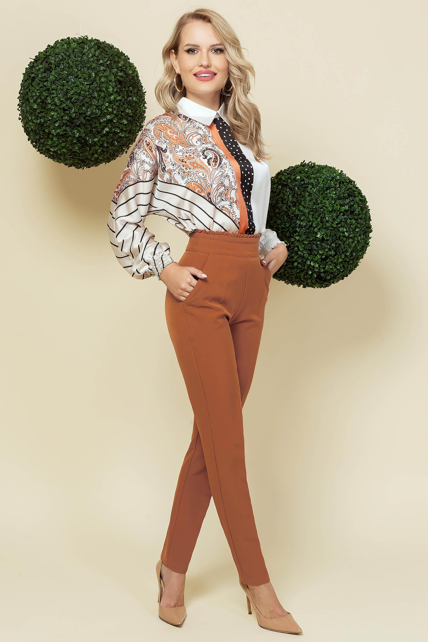 Pantaloni PrettyGirl maro office conici din material usor elastic cu talie inalta