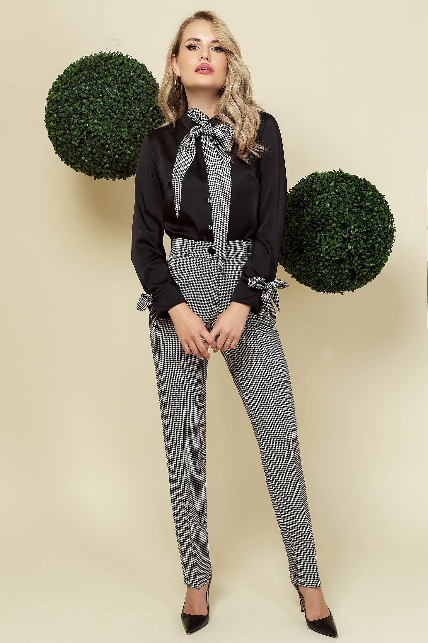 Black trousers office conical slightly elastic fabric with chequers
