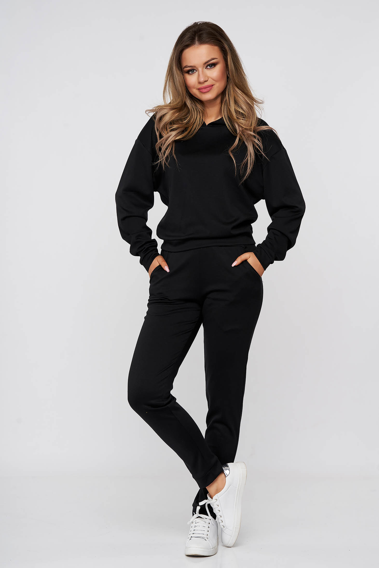 Black sport 2 pieces from two pieces with trousers with undetachable hood