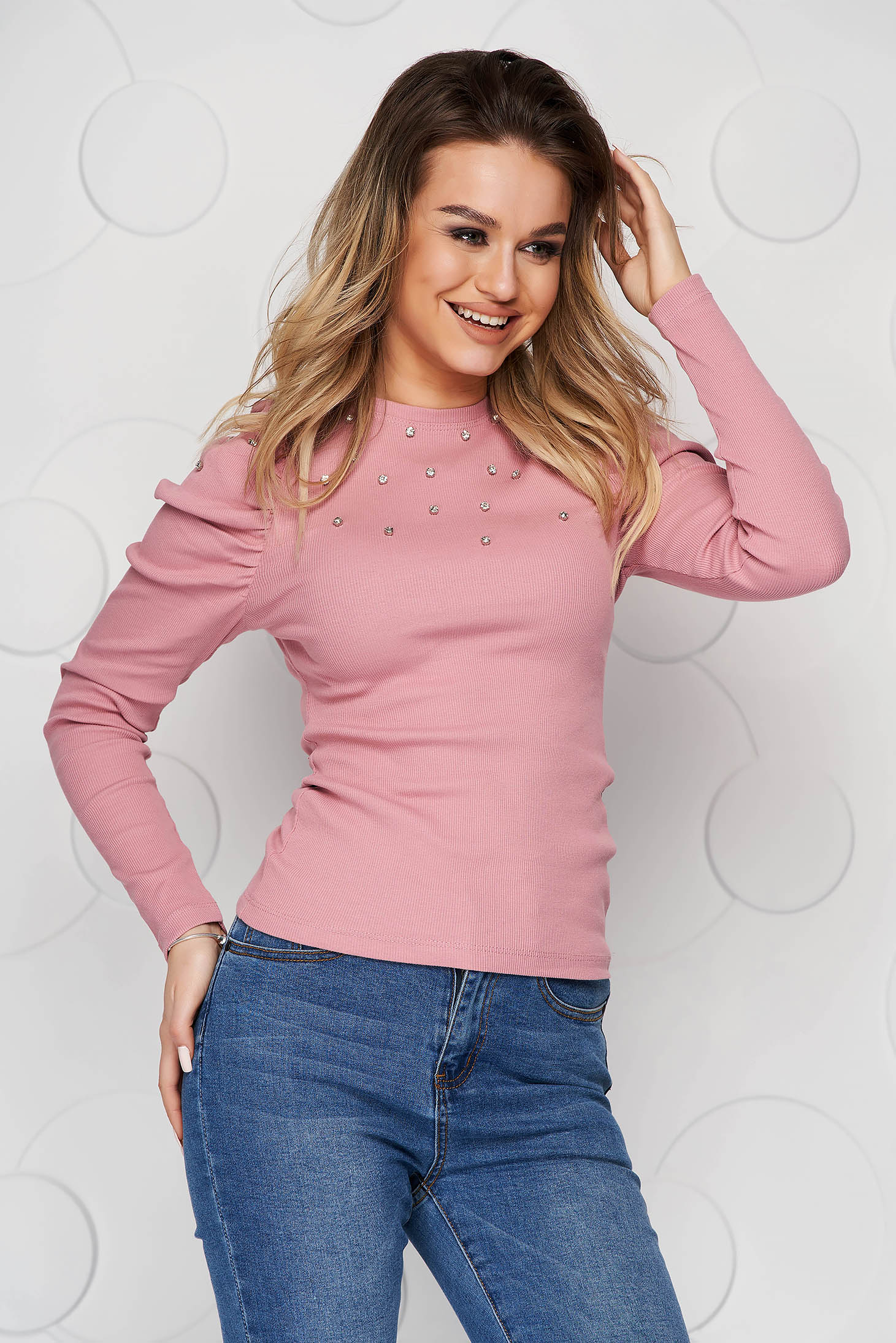Bluza dama SunShine roz mulata din material reiat cu aplicatii cu pietre strass si umeri cu volum