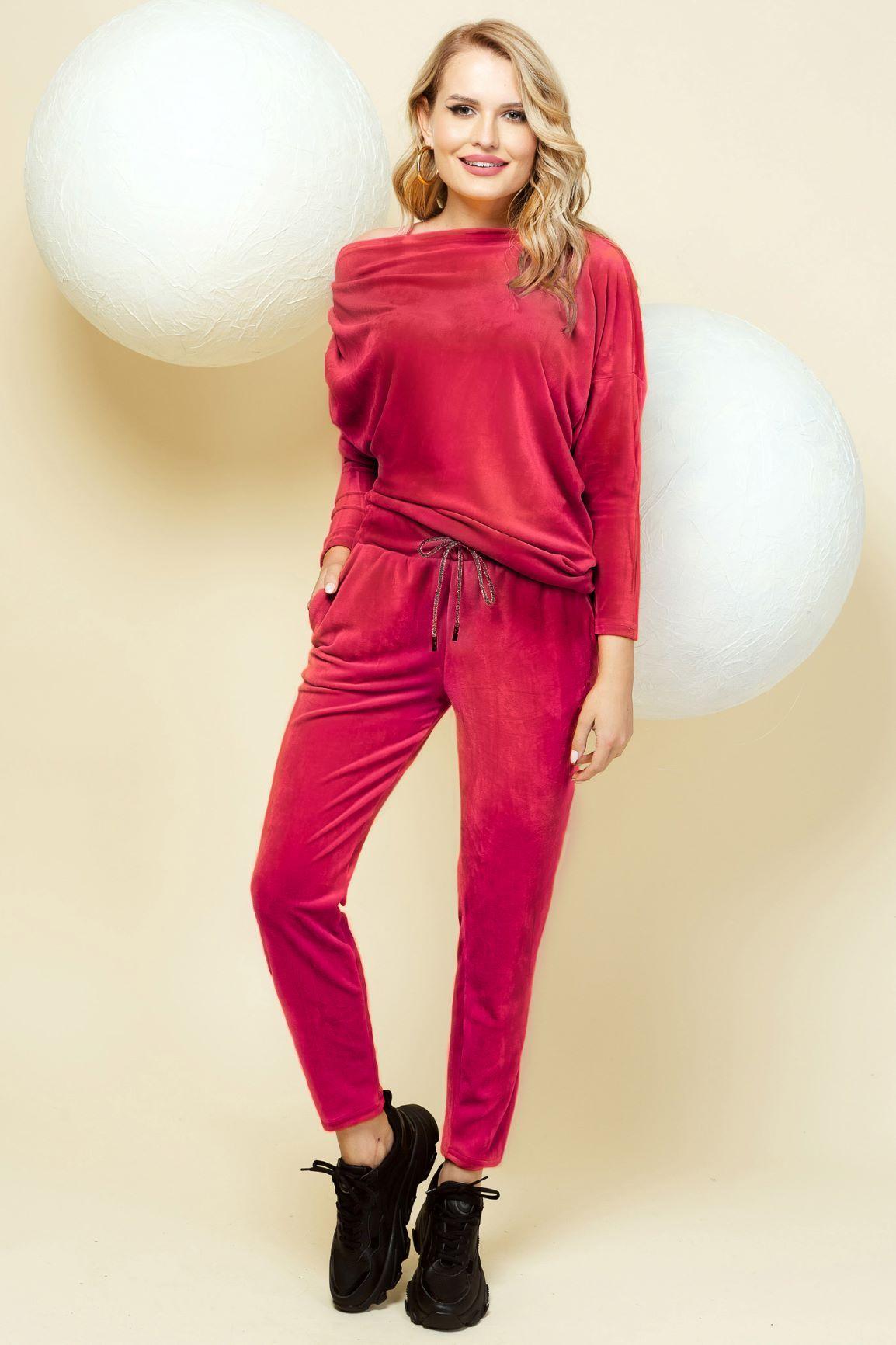 Trening PrettyGirl rosu casual din catifea cu pantaloni pe umar