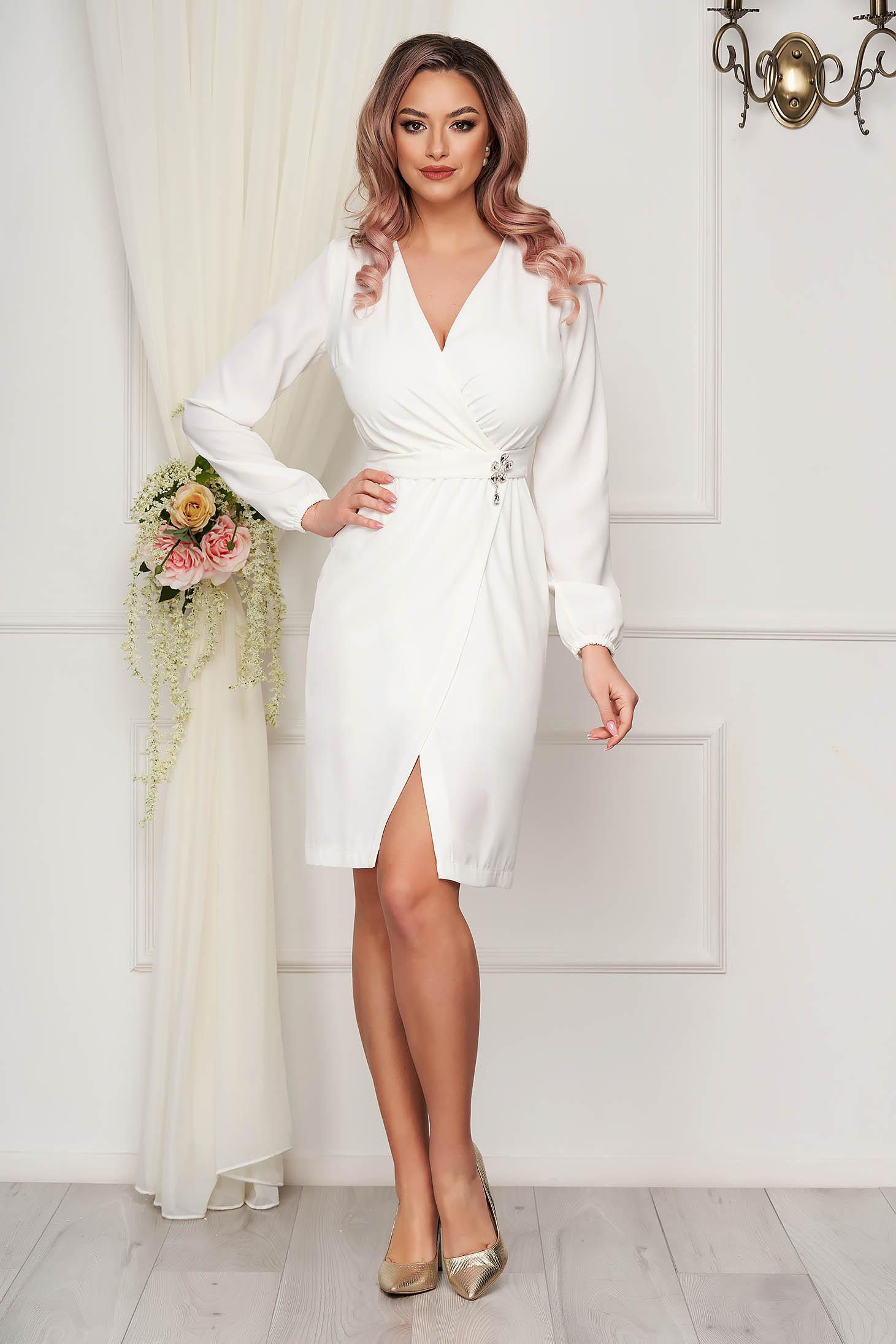 Fehér StarShinerS alkalmi átlapolt tipusú egyenes könnyű ruha szövetből