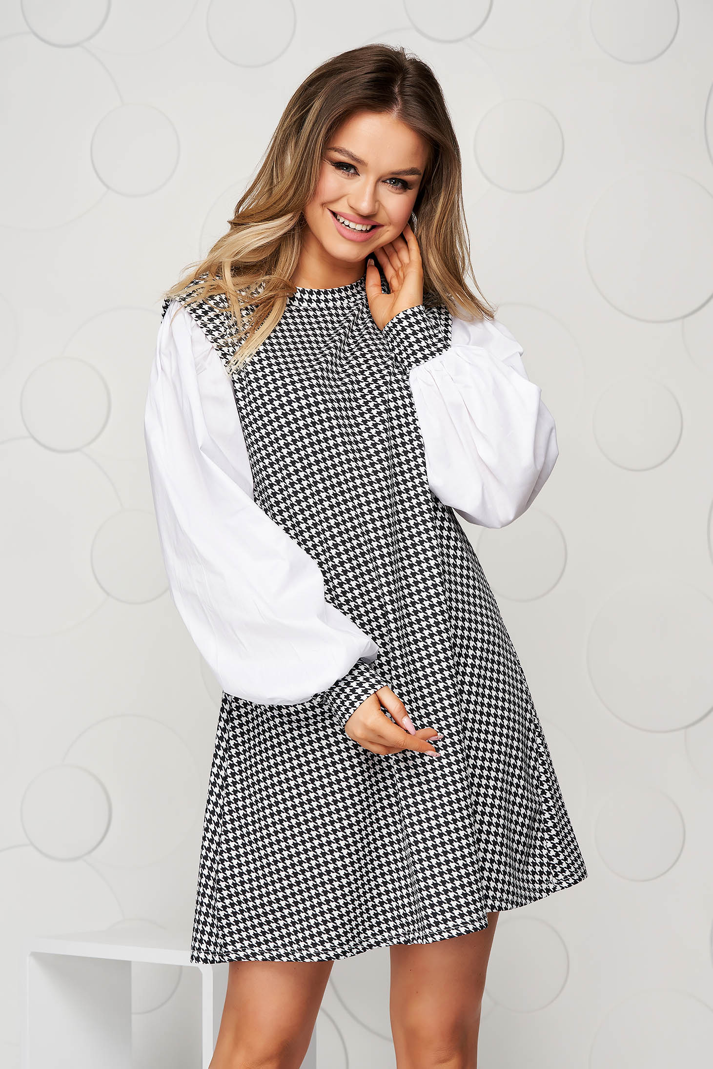 Black dress dogtooth loose fit from elastic fabric
