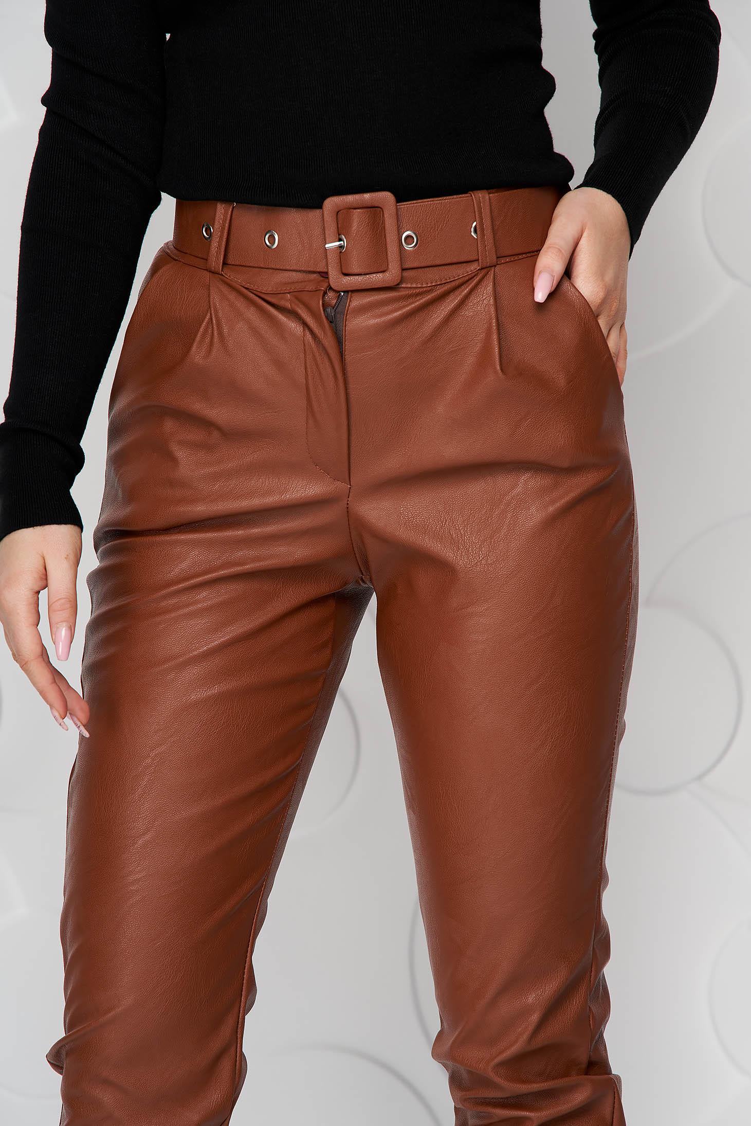 Pantaloni SunShine maro din piele ecologica conici cu accesoriu tip curea