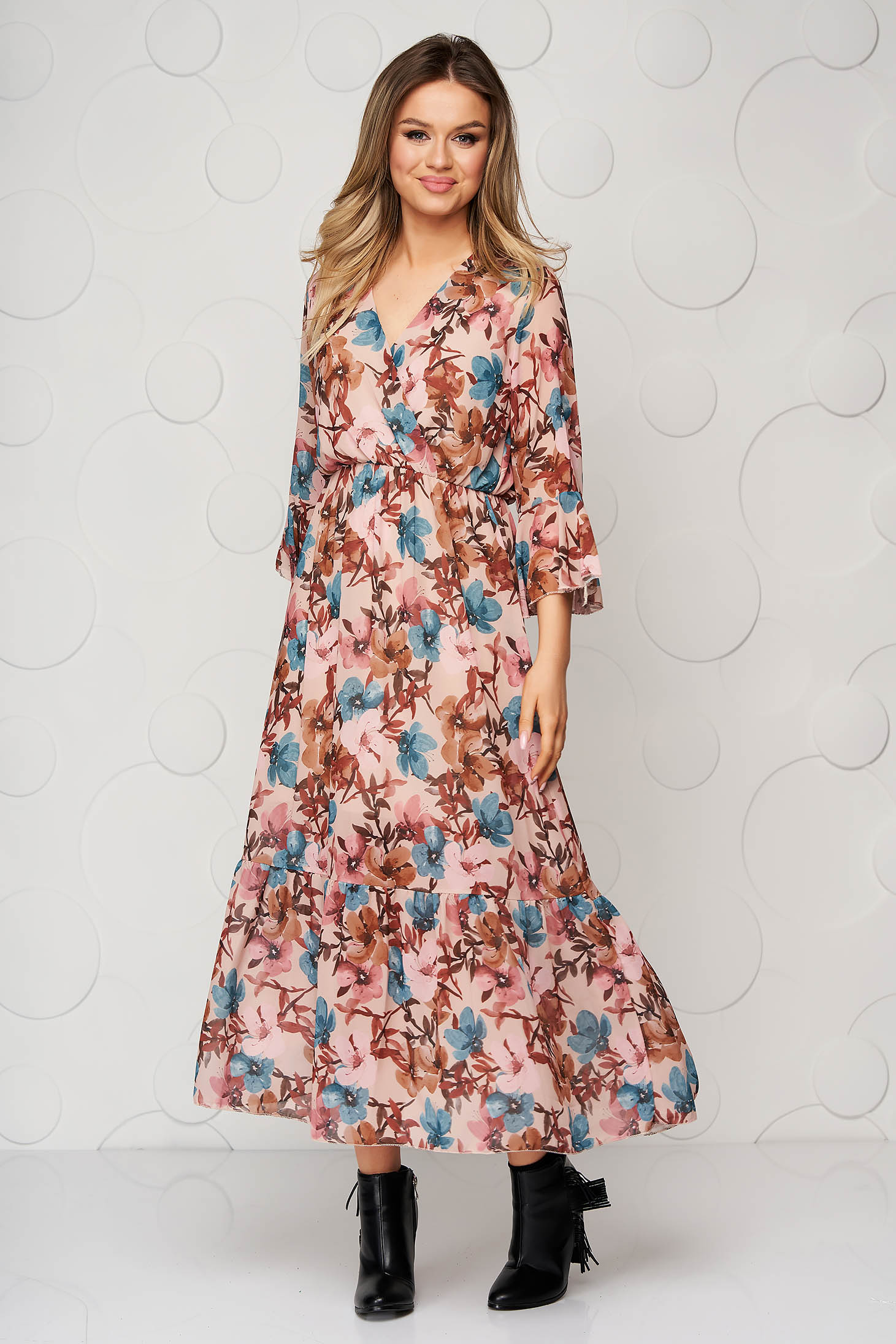Casual midi dress cloche with elastic waist with ruffle details
