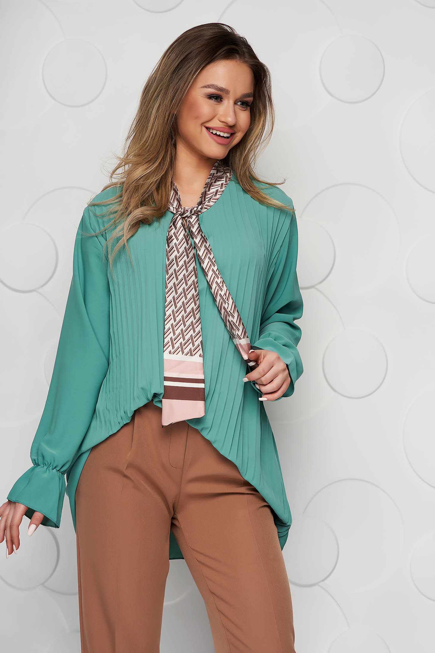 Bluza dama SunShine verde office cu croi larg plisata cu guler tip esarfa