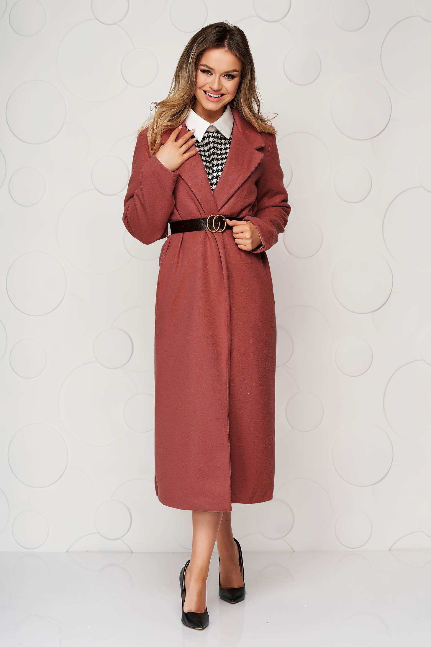 Téglaszínű hosszú egyenes casual kabát öv típusú kiegészítővel