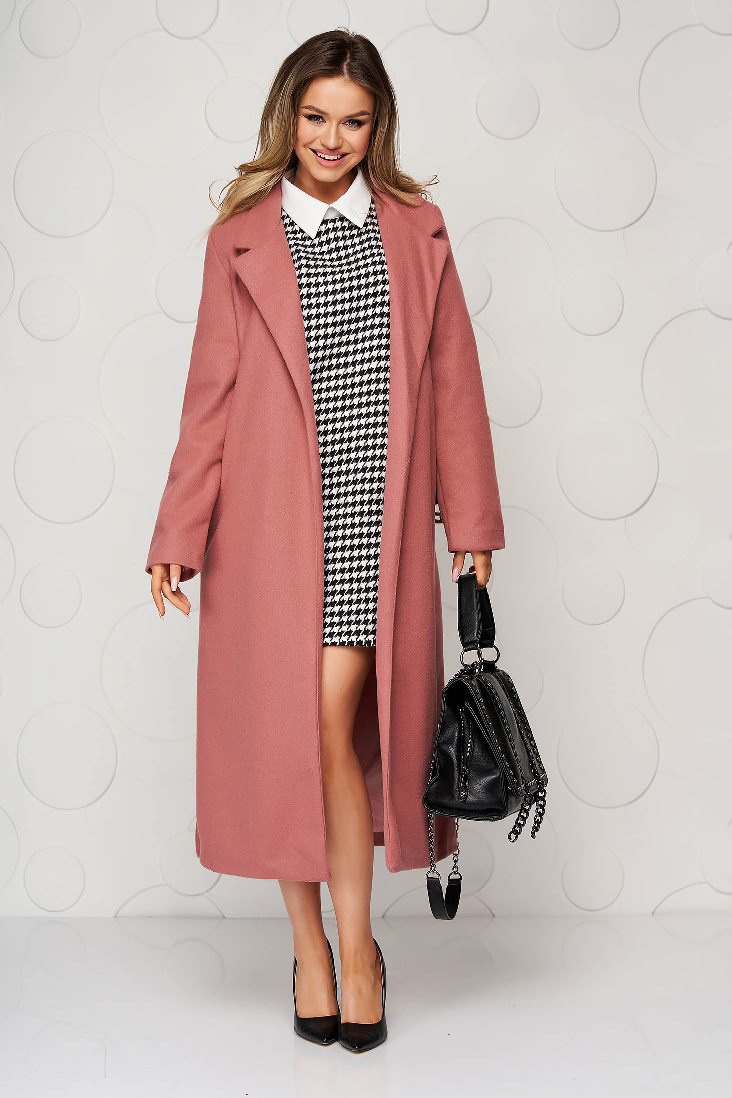 Pink overcoat long straight accessorized with belt with pockets
