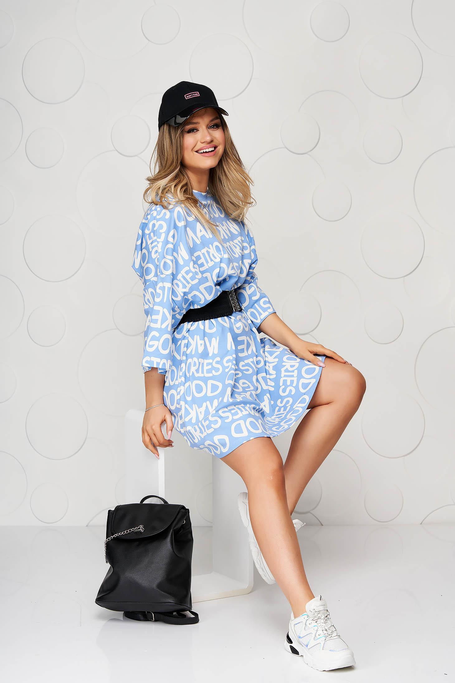 Pamutból készült bő szabású kék casual ruha rugalmas övvel
