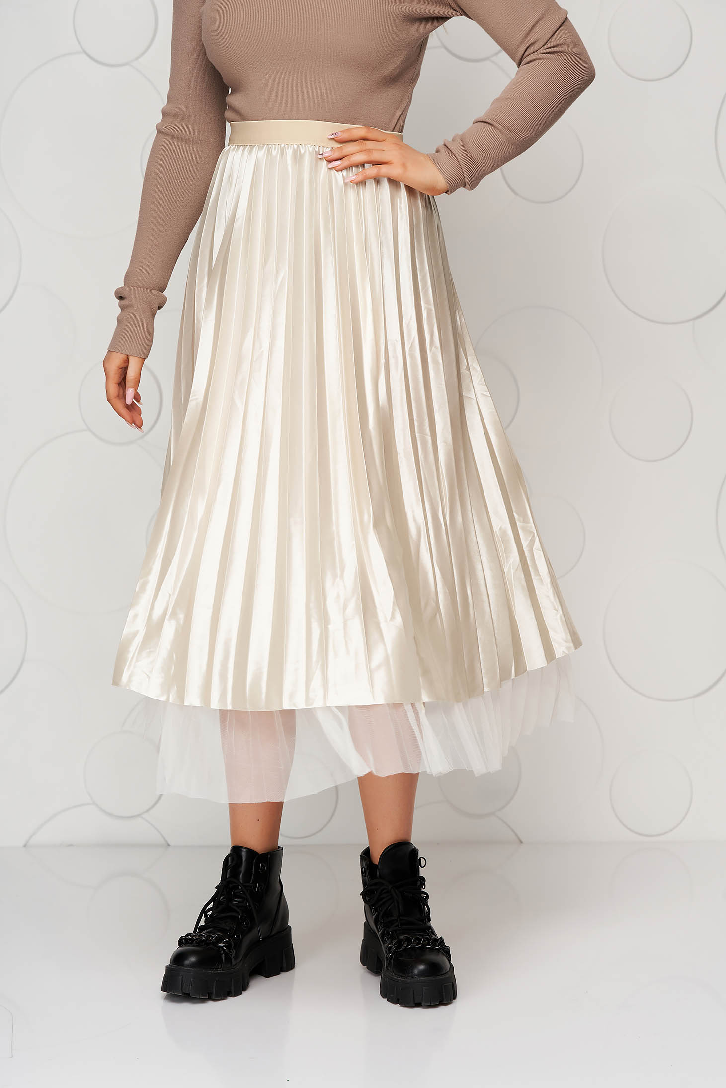 Cream skirt midi from tulle from satin folded up clubbing double-faced