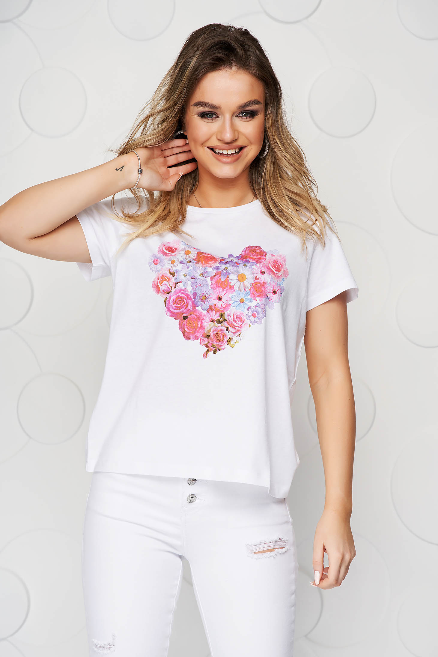 White t-shirt with graphic details cotton loose fit