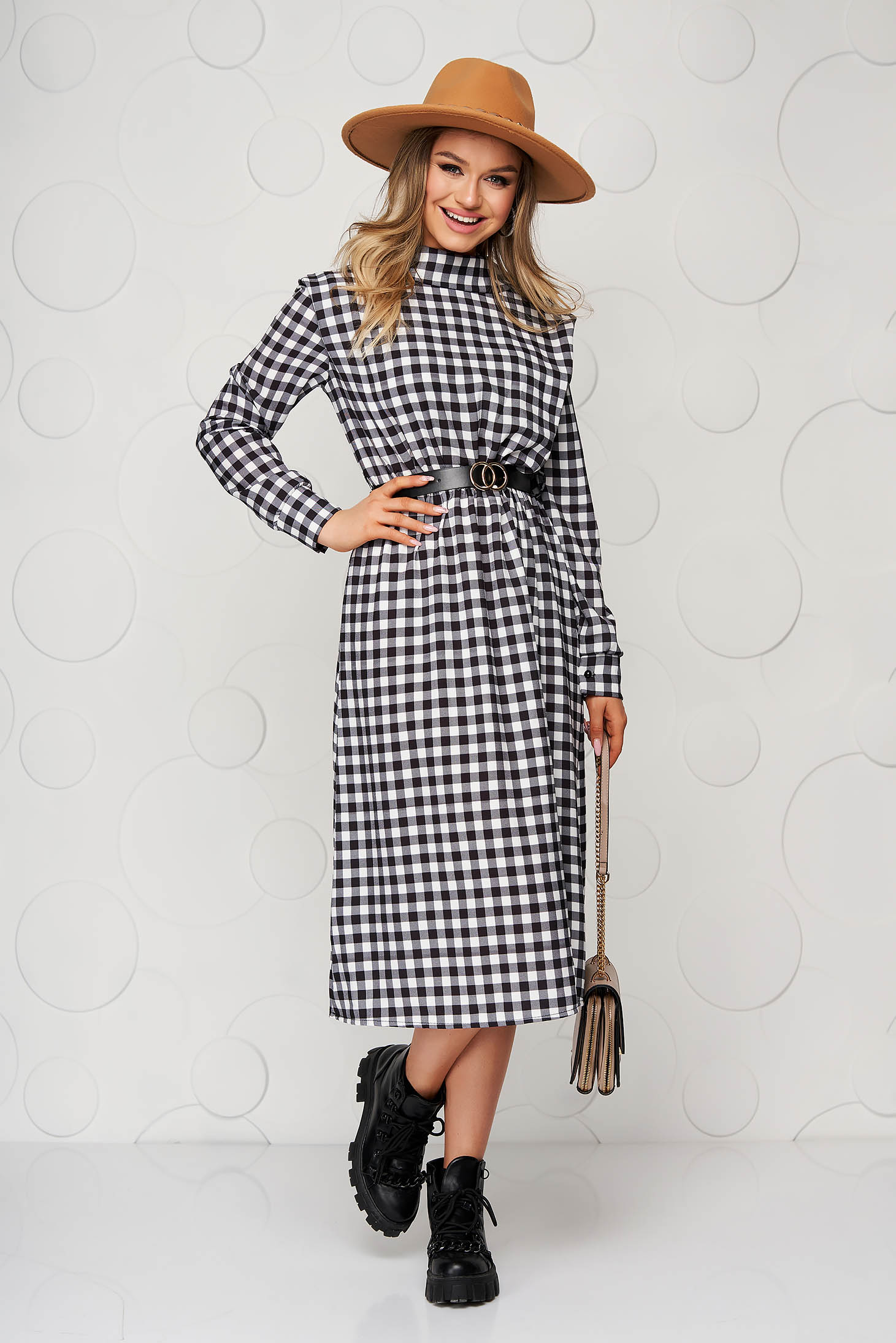 Midi black cloche dress with elastic waist with chequers accessorized with belt