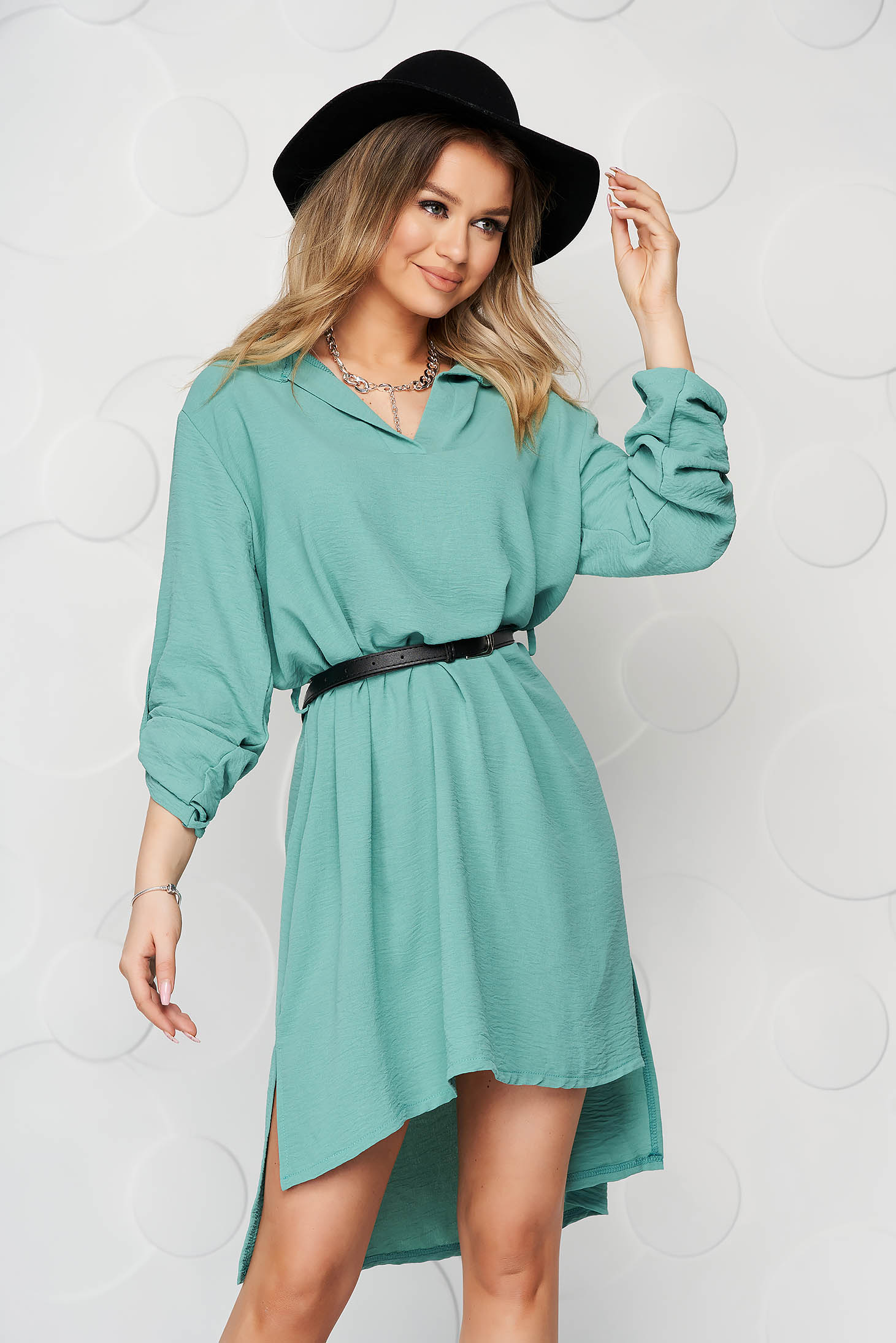 Rochie tip camasa verde-deschis scurta de zi cu un croi drept din material subtire