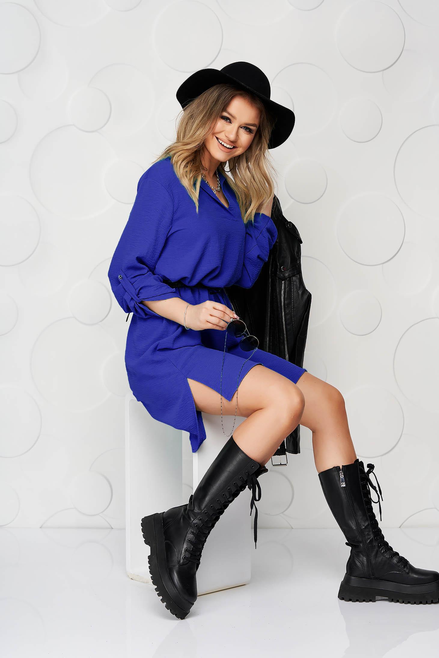Rochie tip camasa albastra scurta de zi cu un croi drept din material subtire