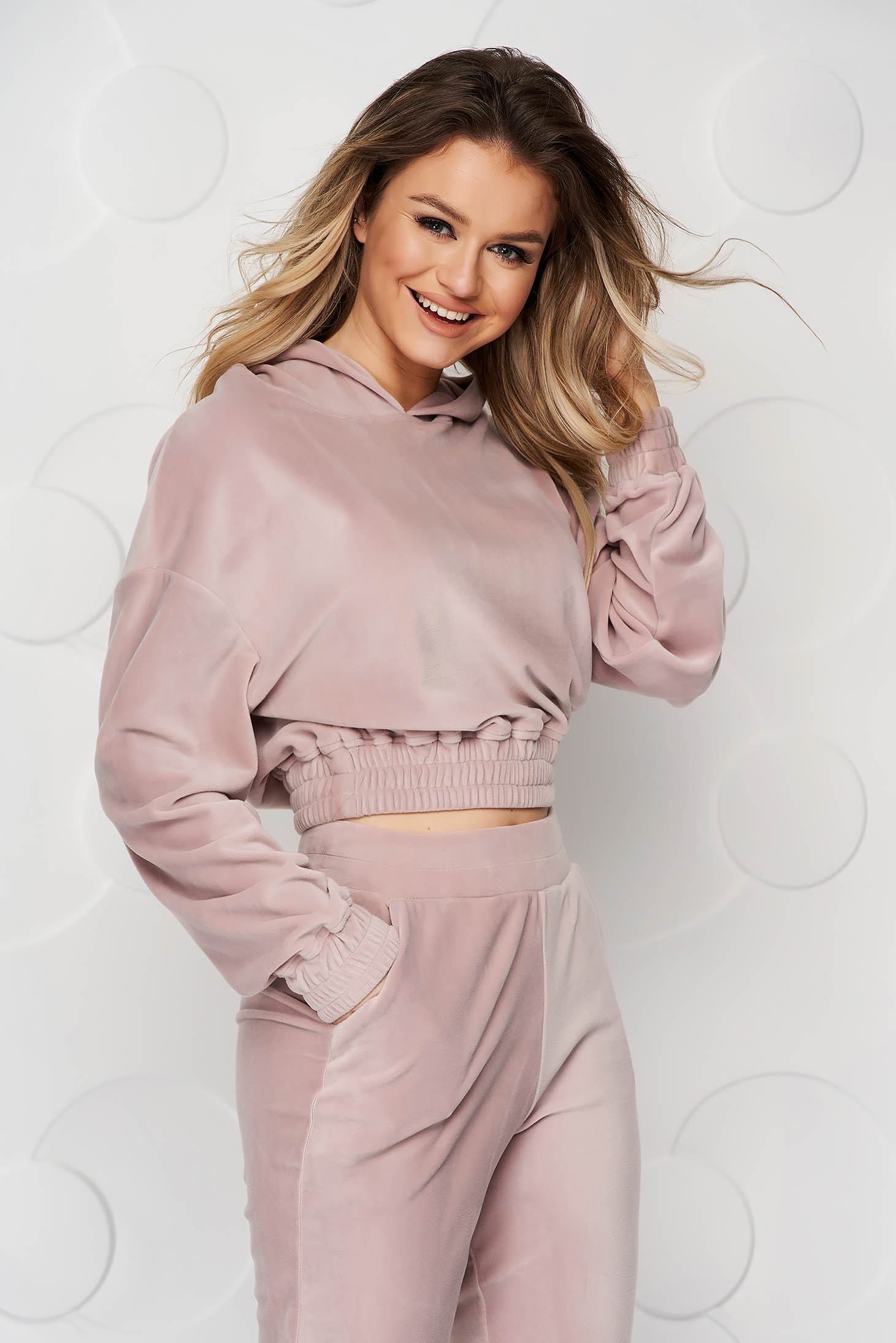 Cream sport 2 pieces loose fit pressure-free border with undetachable hood