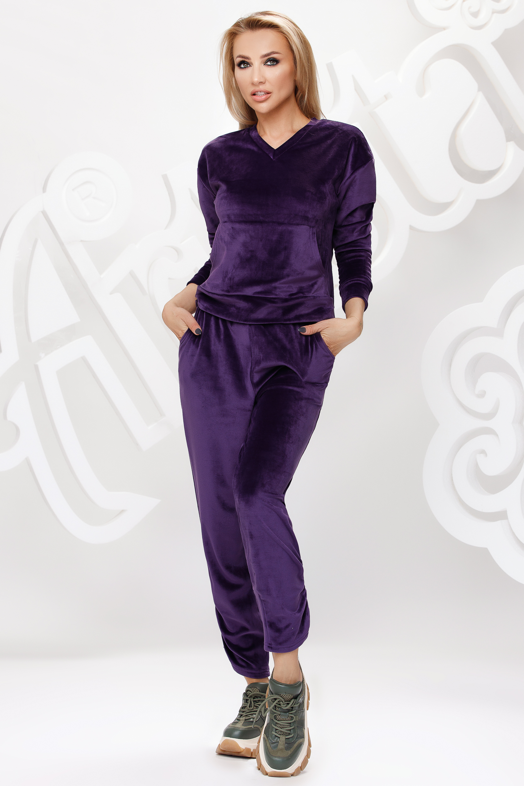 Purple sport 2 pieces velvet loose fit with front pockets
