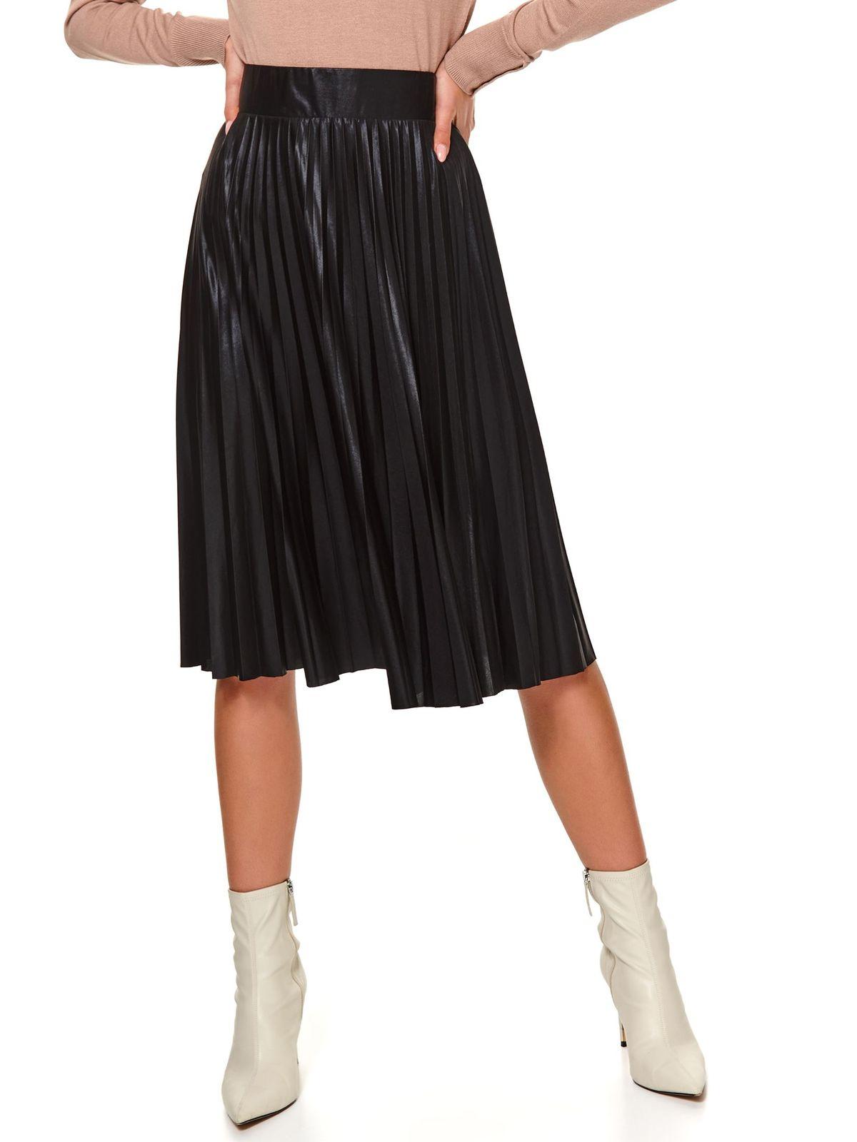 Black skirt cloche high waisted folded up