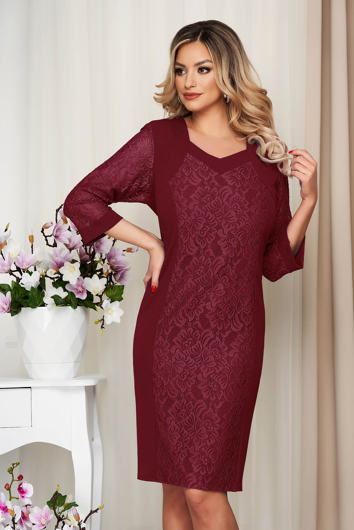 Burgundy dress pencil from elastic fabric with lace details